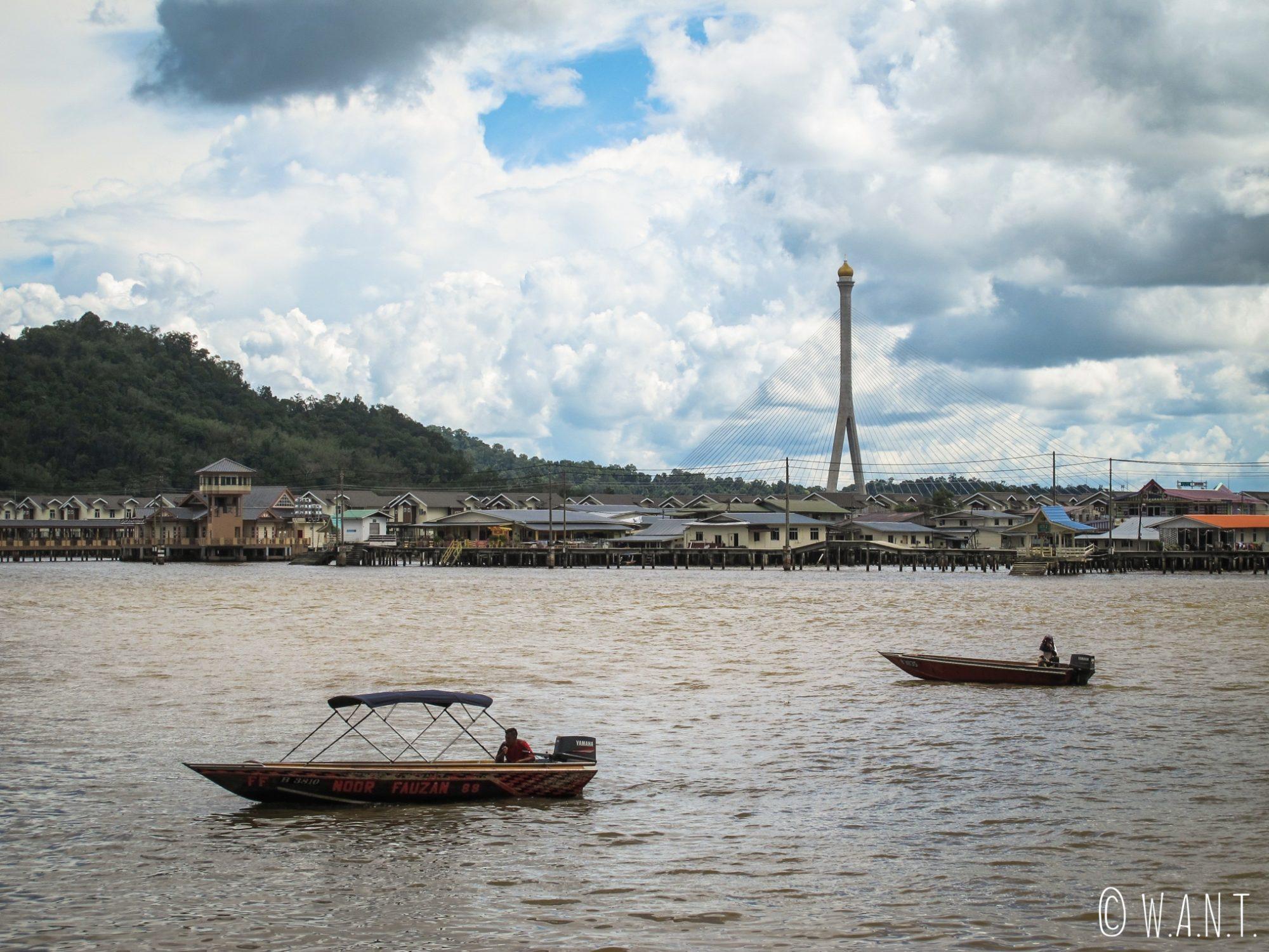 Vue sur le village flottant de Kampong Ayer à Bandar Seri Begawan