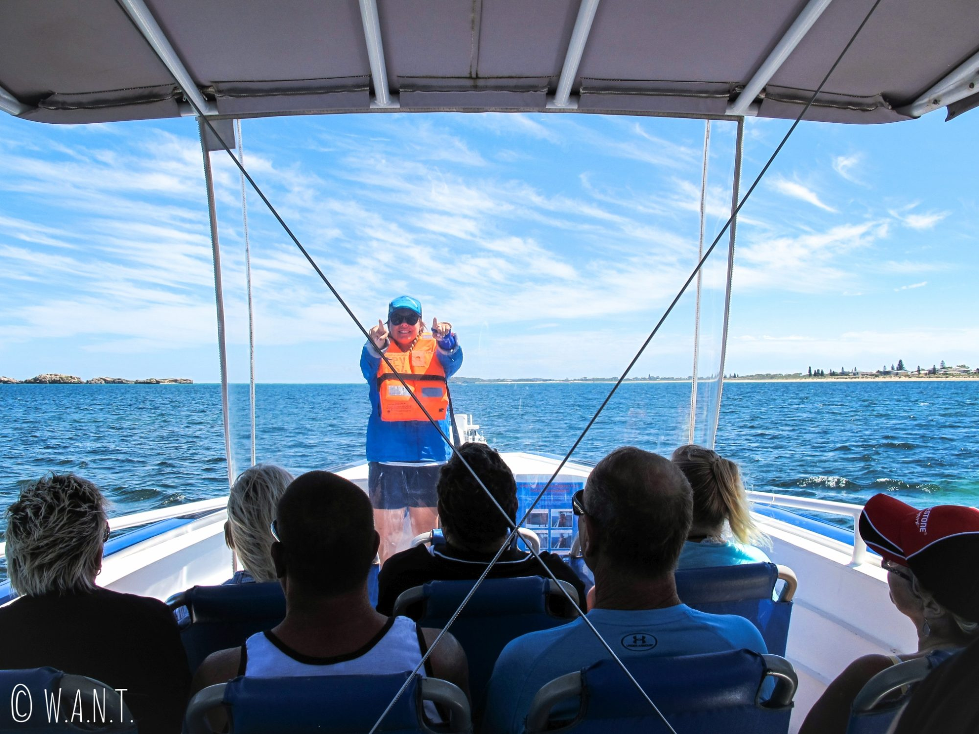 Consignes de sécurité à bord de la croisière Dolphin, Penguin & Sea Lion Cruise sur Penguin Island