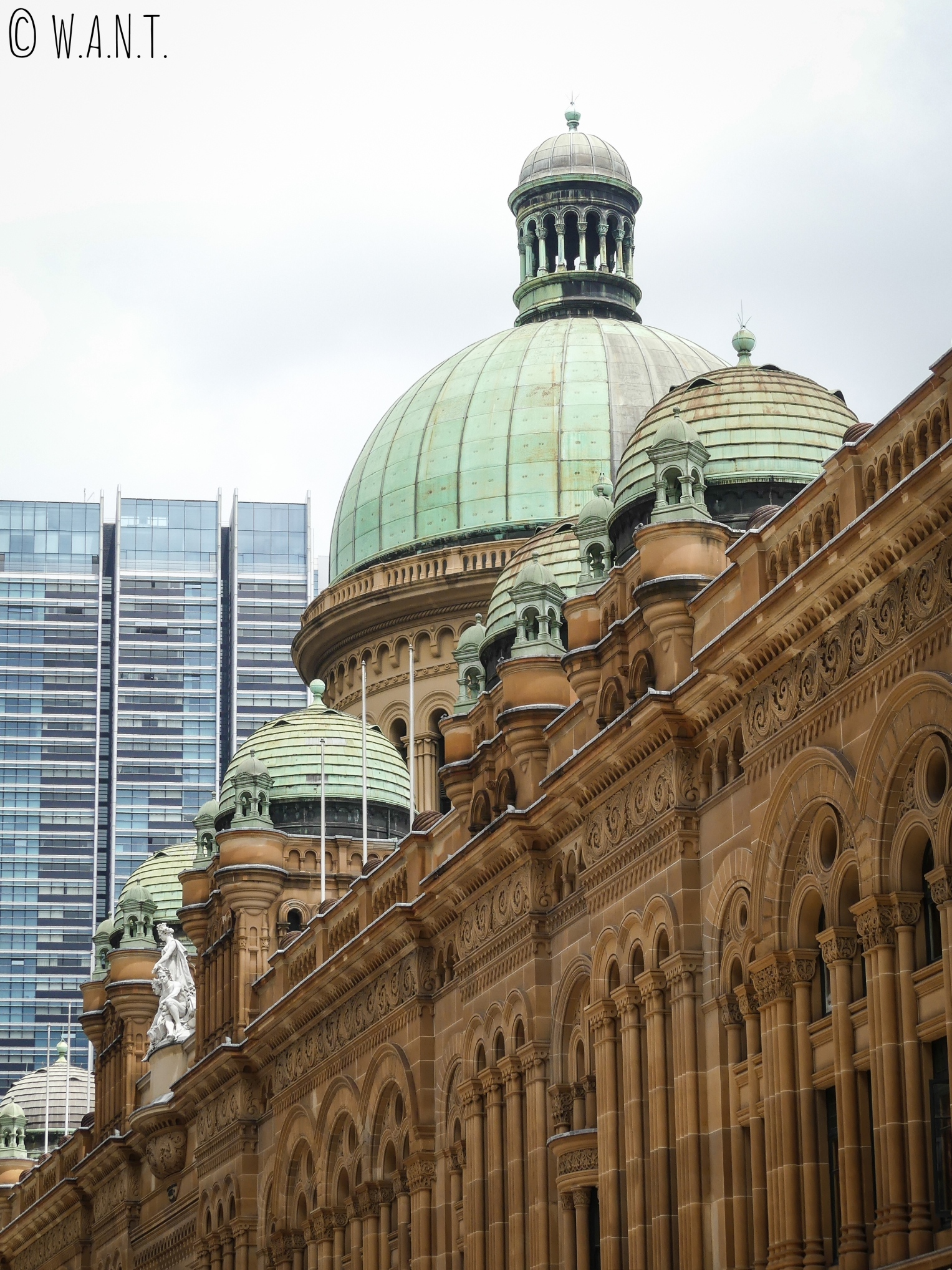 Coupoles extérieures du Queen Victoria Building à Sydney