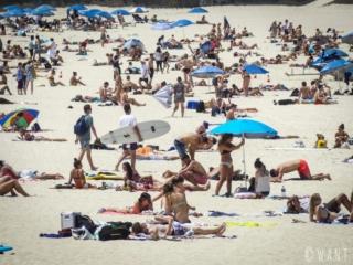 Forte fréquentation sur la plage de Bondi près de Sydney