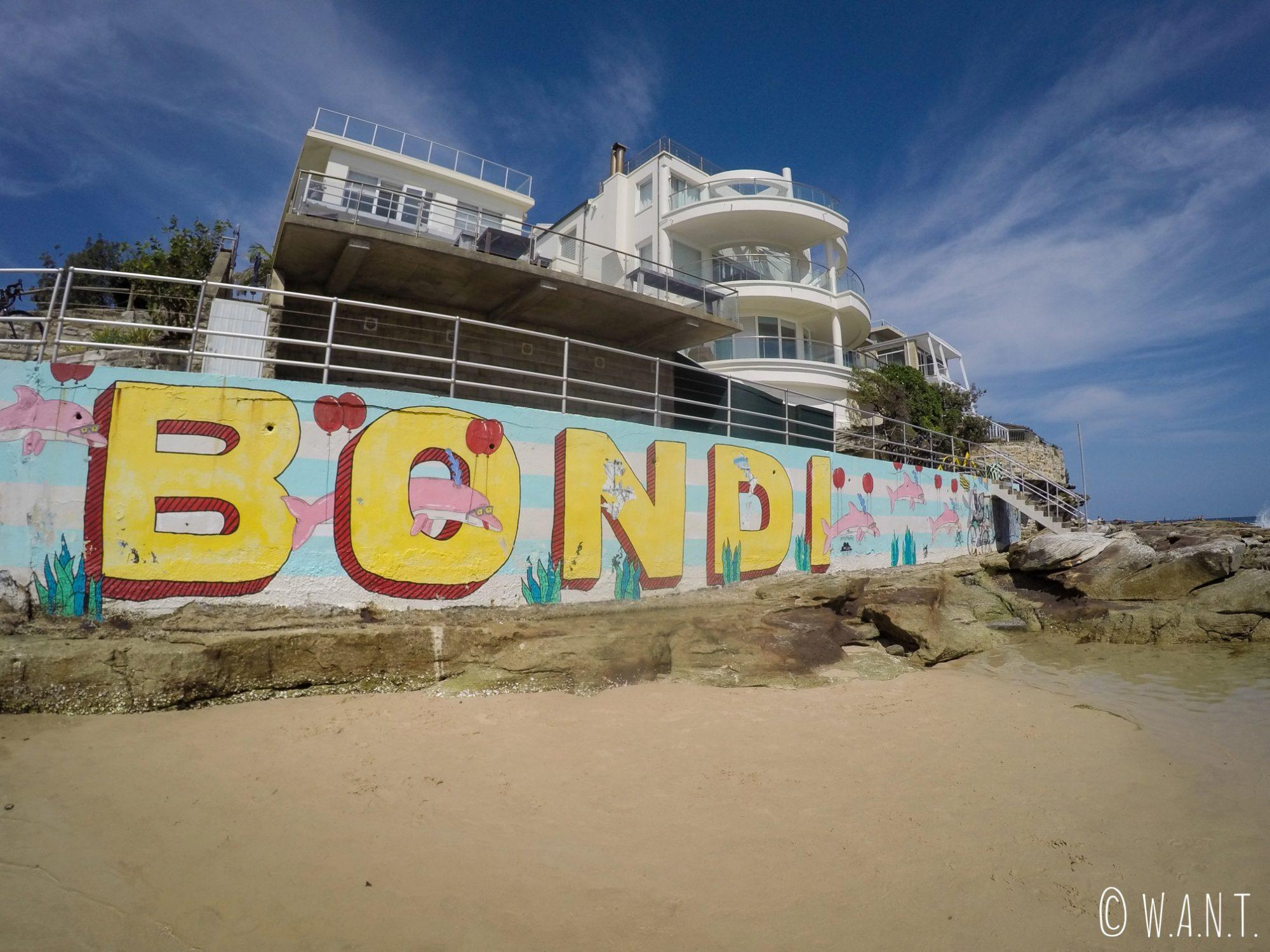 Graffitis sur la plage de Bondi près de Sydney
