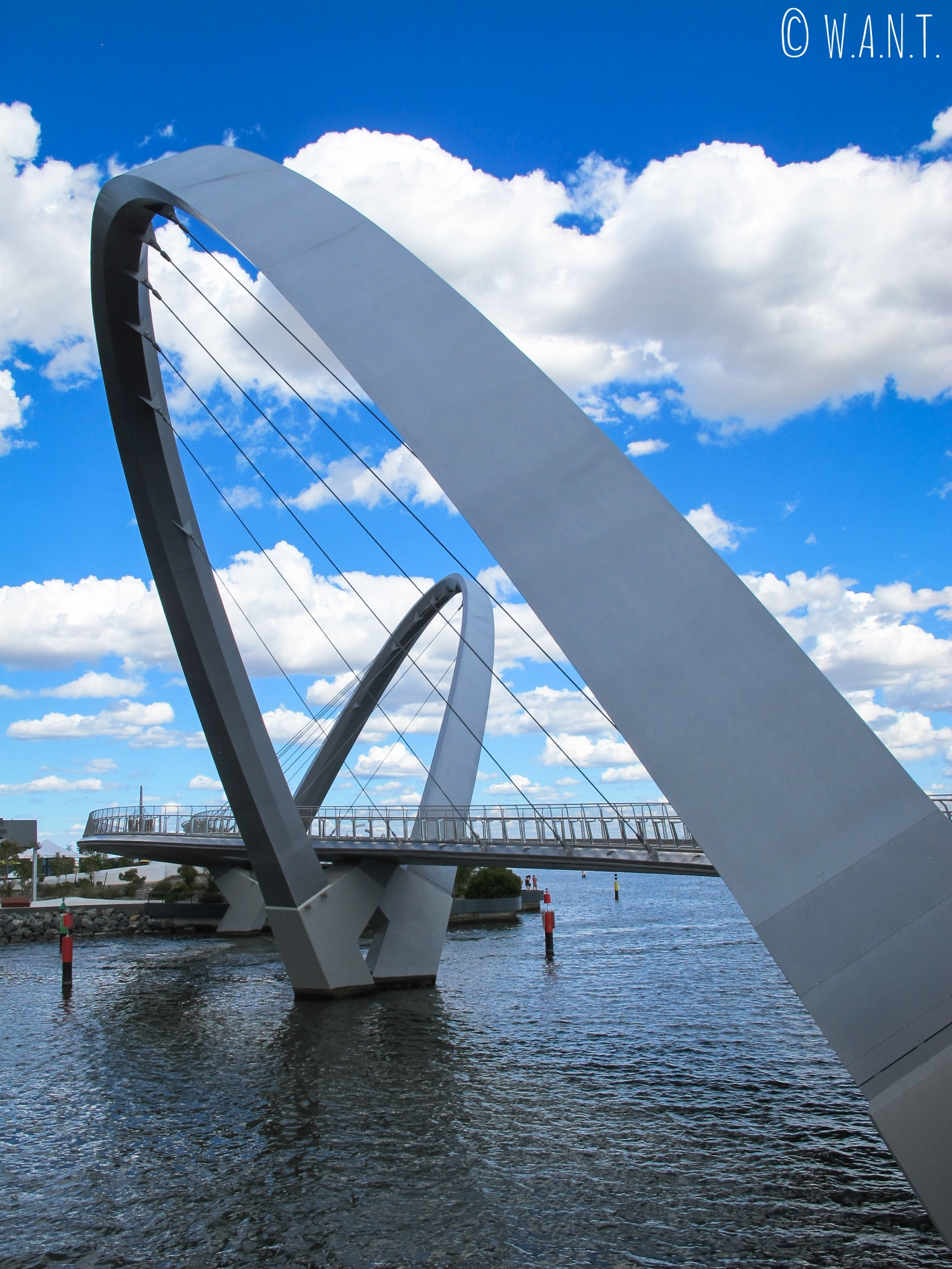 Le pont du Elizabeth Quay de Perth dont le design contemporain a rendu iconique le lieu