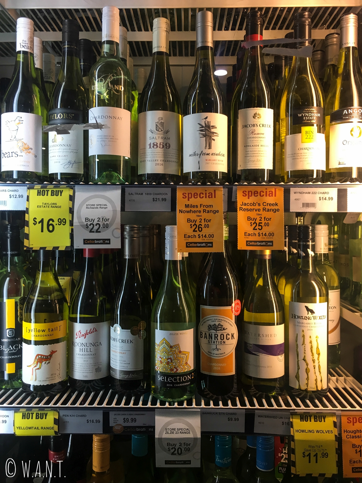 Le rayon de vin des vendeurs d'alcool n'a rien à envier à ceux que l'on a en France