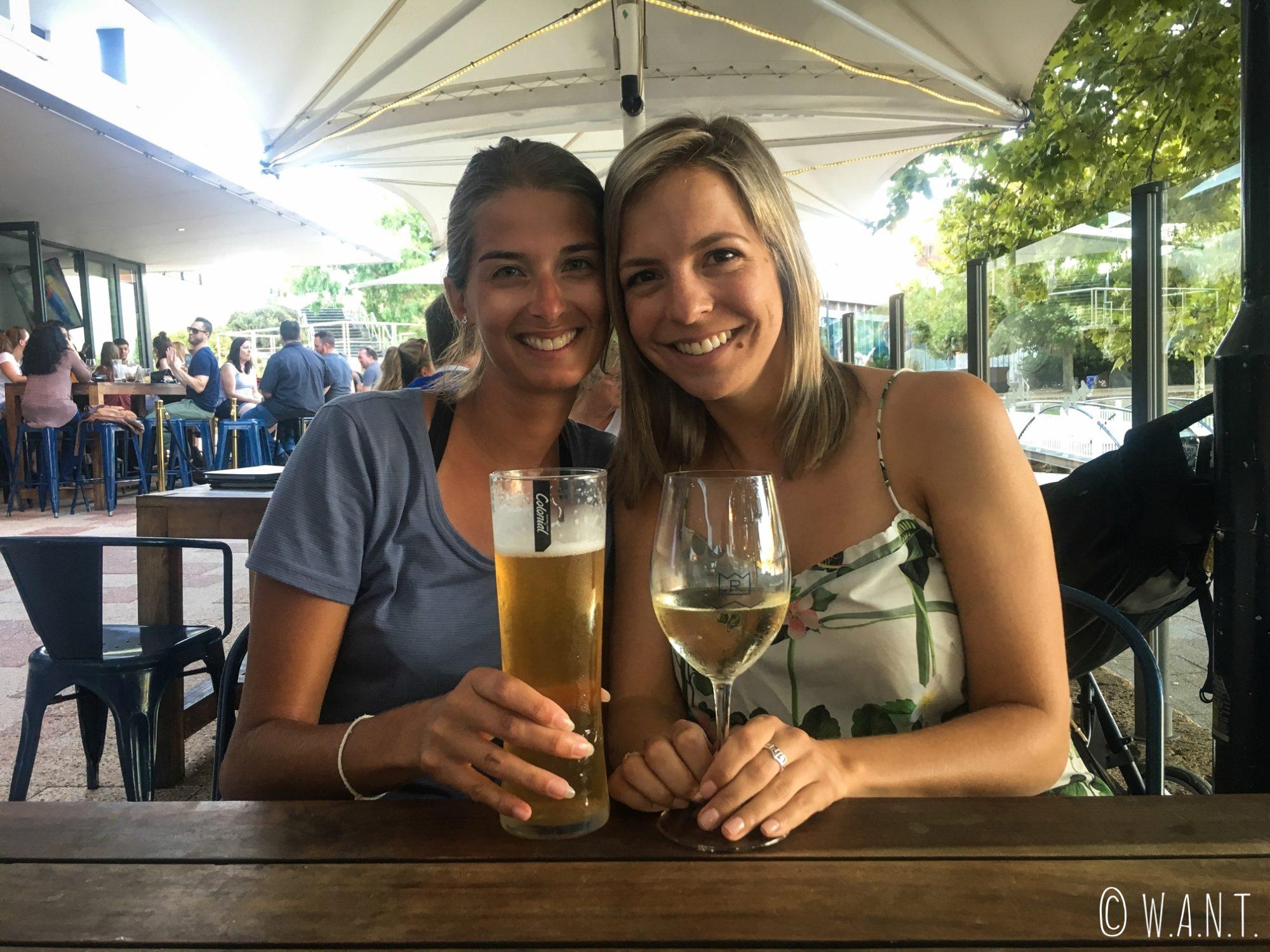 Marion est heureuse de retrouver Anne, son amie canadienne expatriée à Perth