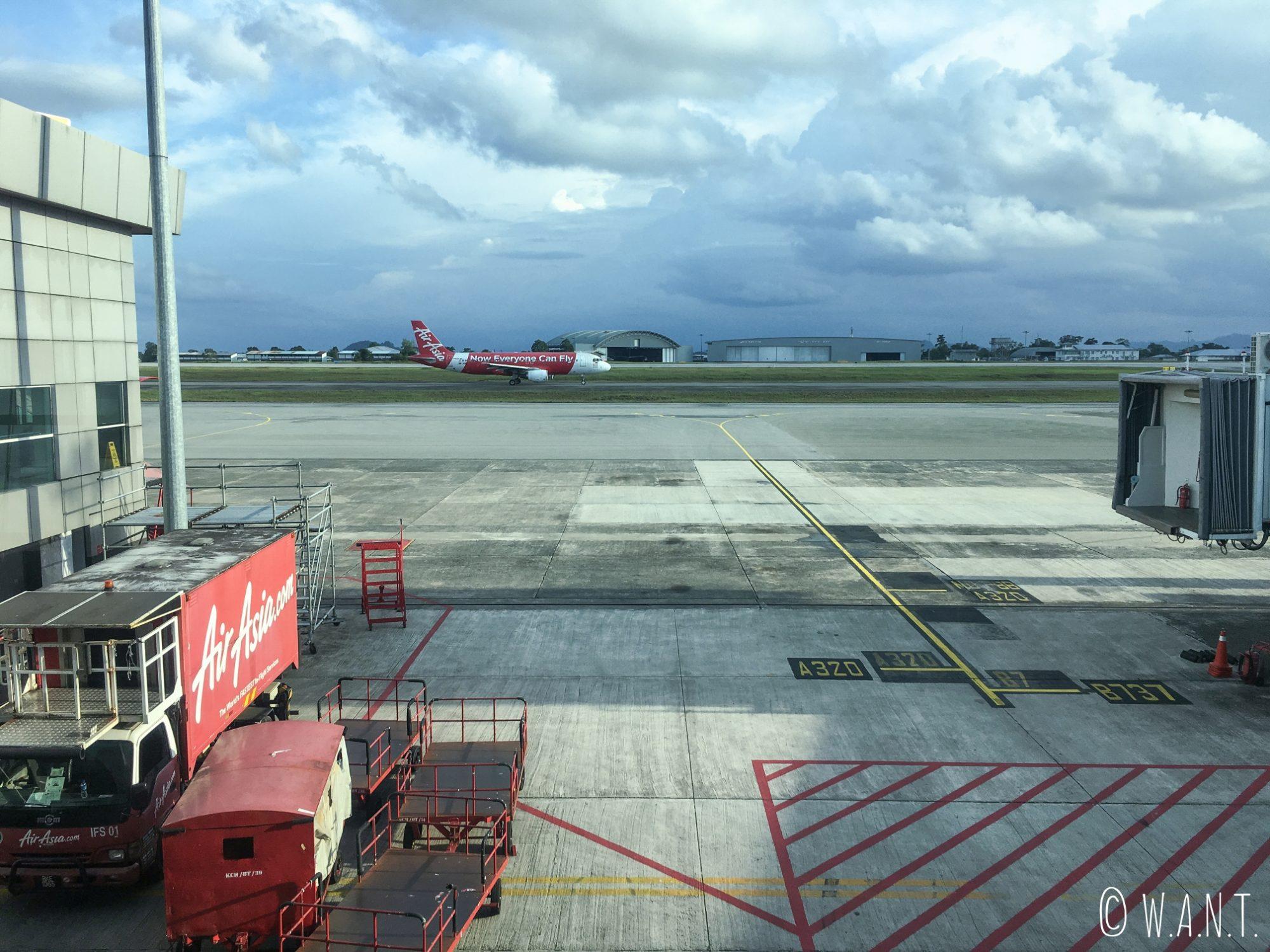 Nous sommes prêts à embarquer sur Air Asia en direction de Perth depuis Kuala Lumpur