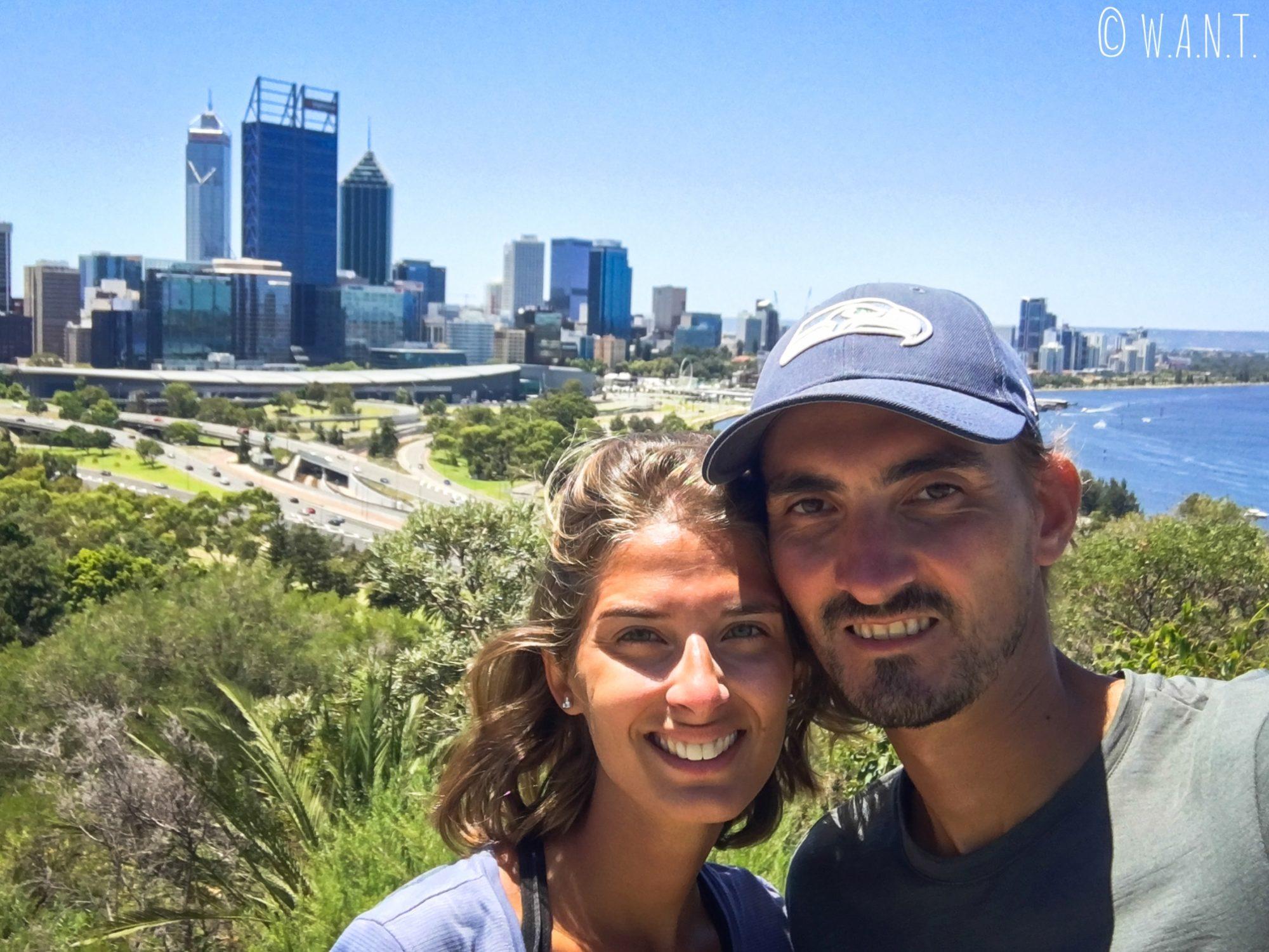 Selfie devant la skyline de Perth depuis les hauteurs de Kings Park