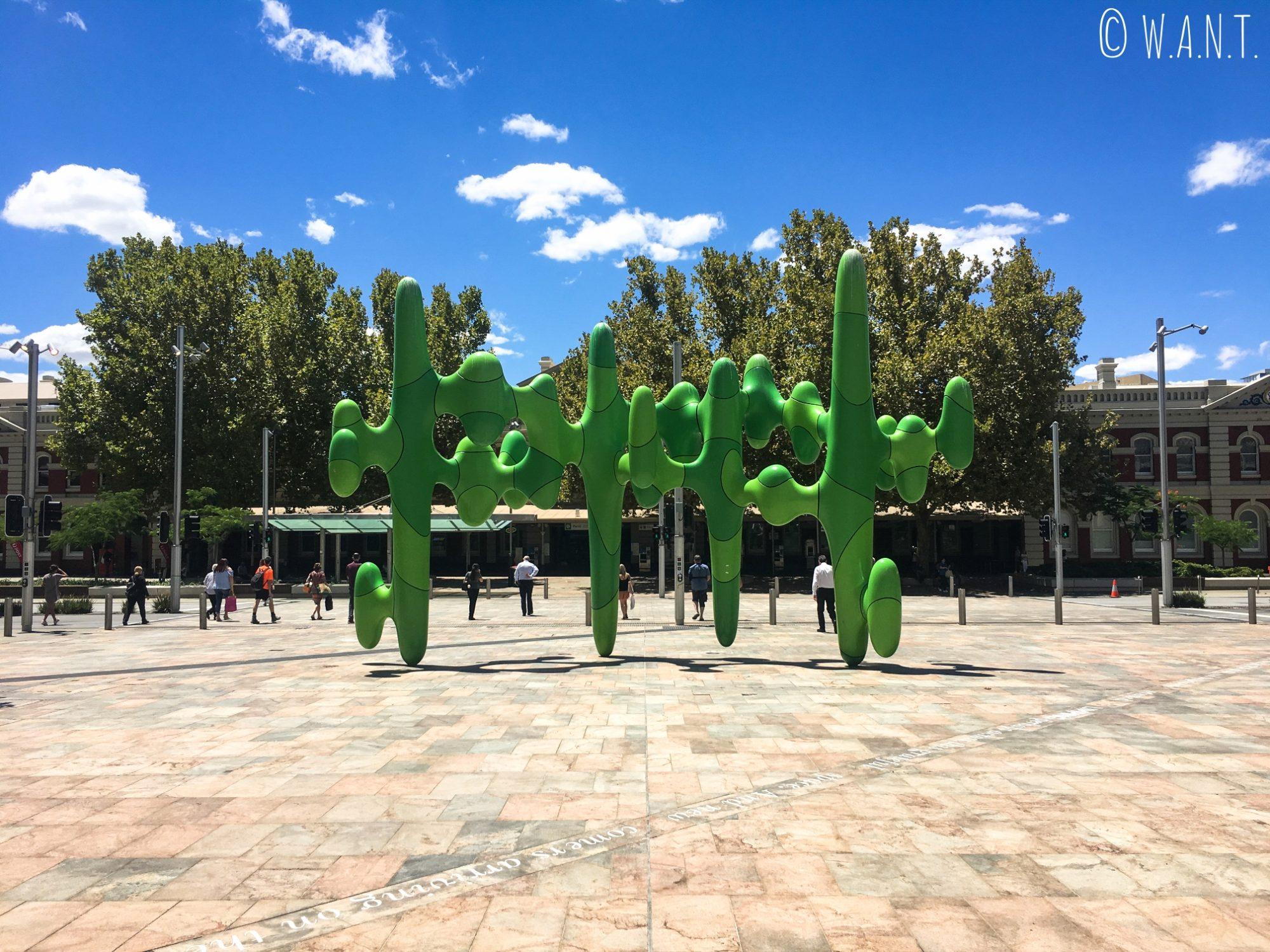 The Cactus, une oeuvre d'art située face à la gare de Perth sur Wellington Street