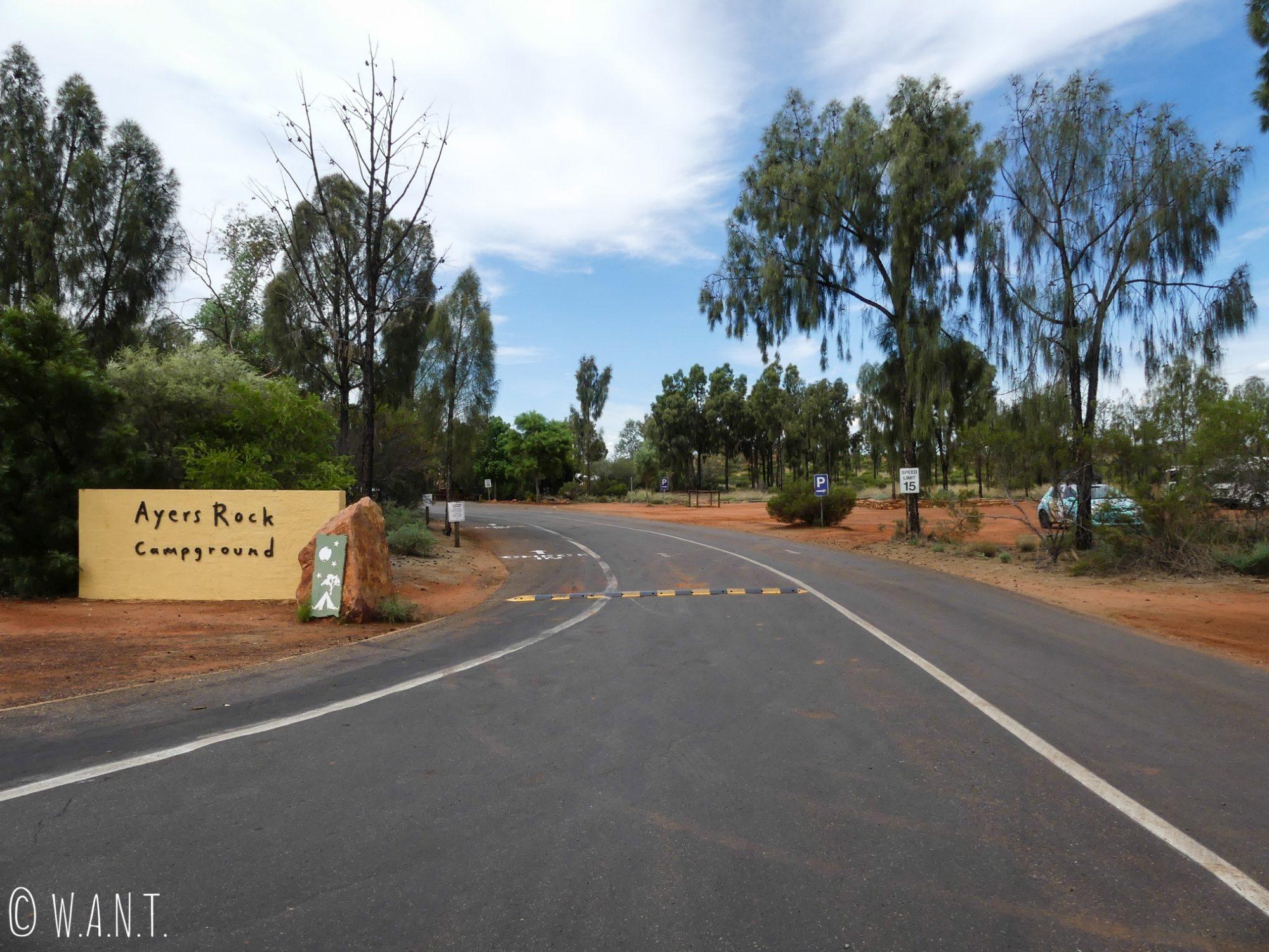 Entrée du Ayers Rock Campground, camping le plus proche d'Uluru