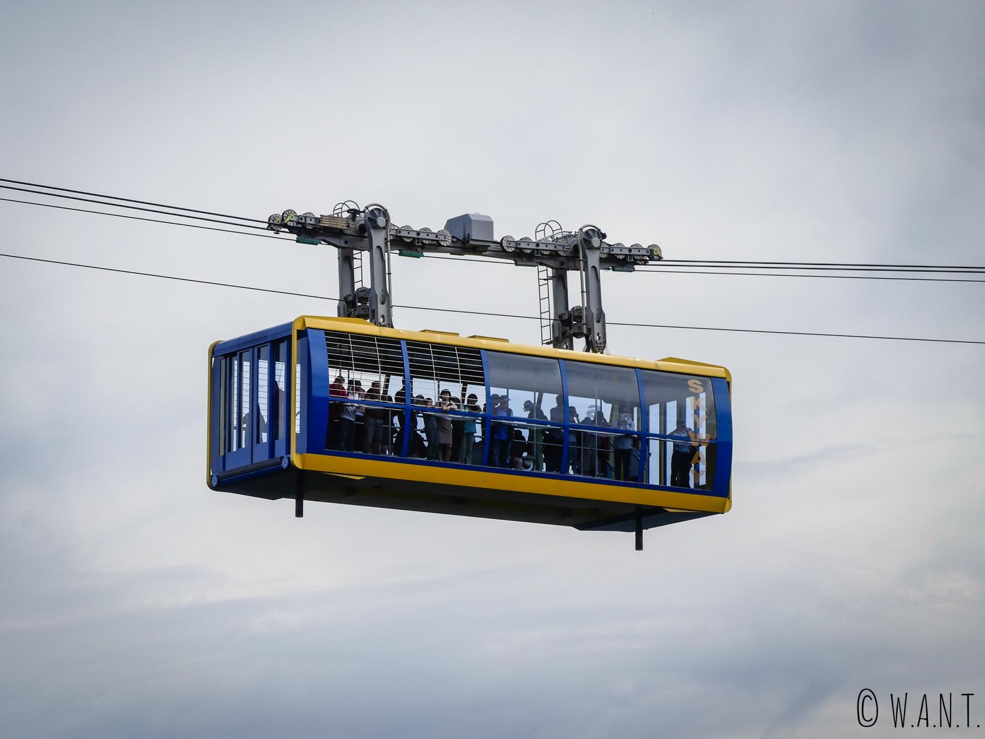 Gros plan sur le télécabine du Scenic World dans le parc national des Blue Moutains