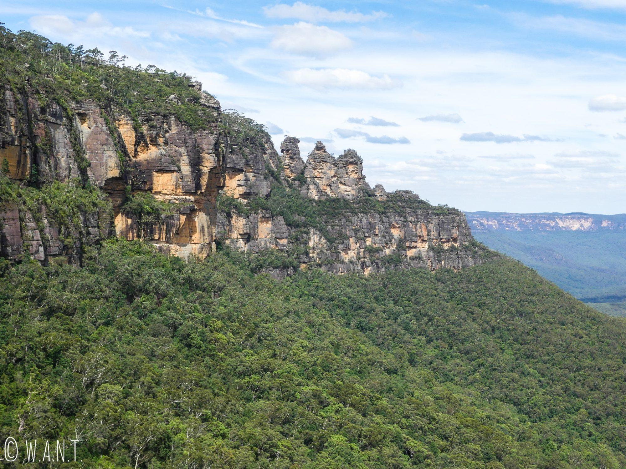 Superbe vue sur les rochers des Three Sisters dans les Blue Mountains