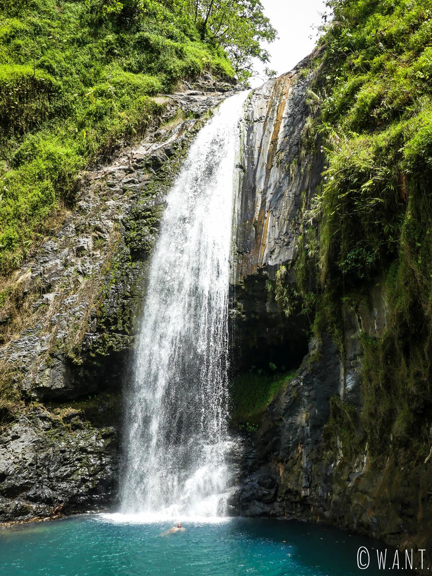 Cascade de la Maroto dans la vallée de la Papenoo à Tahiti