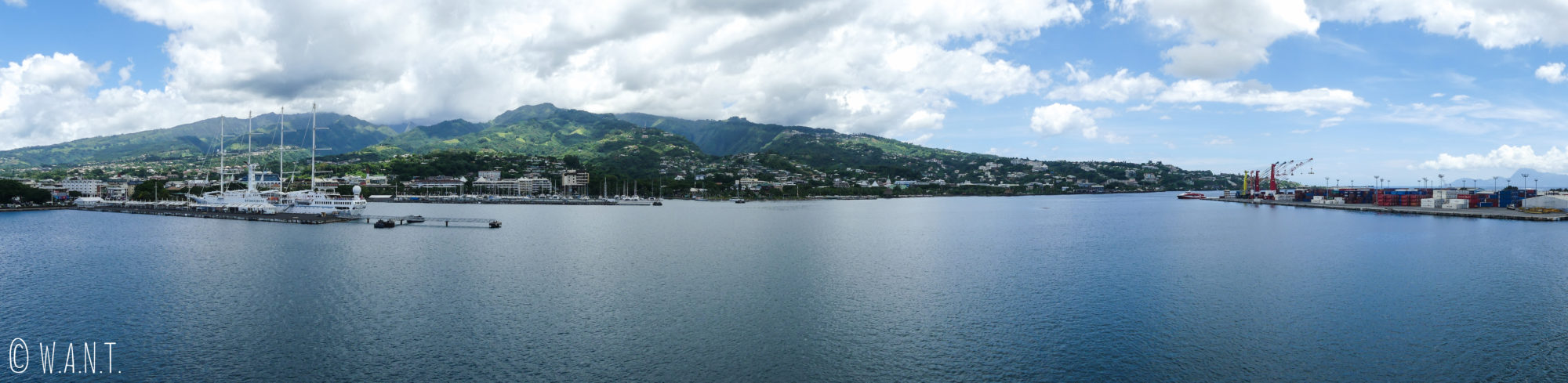 Panorama du port de Papeete