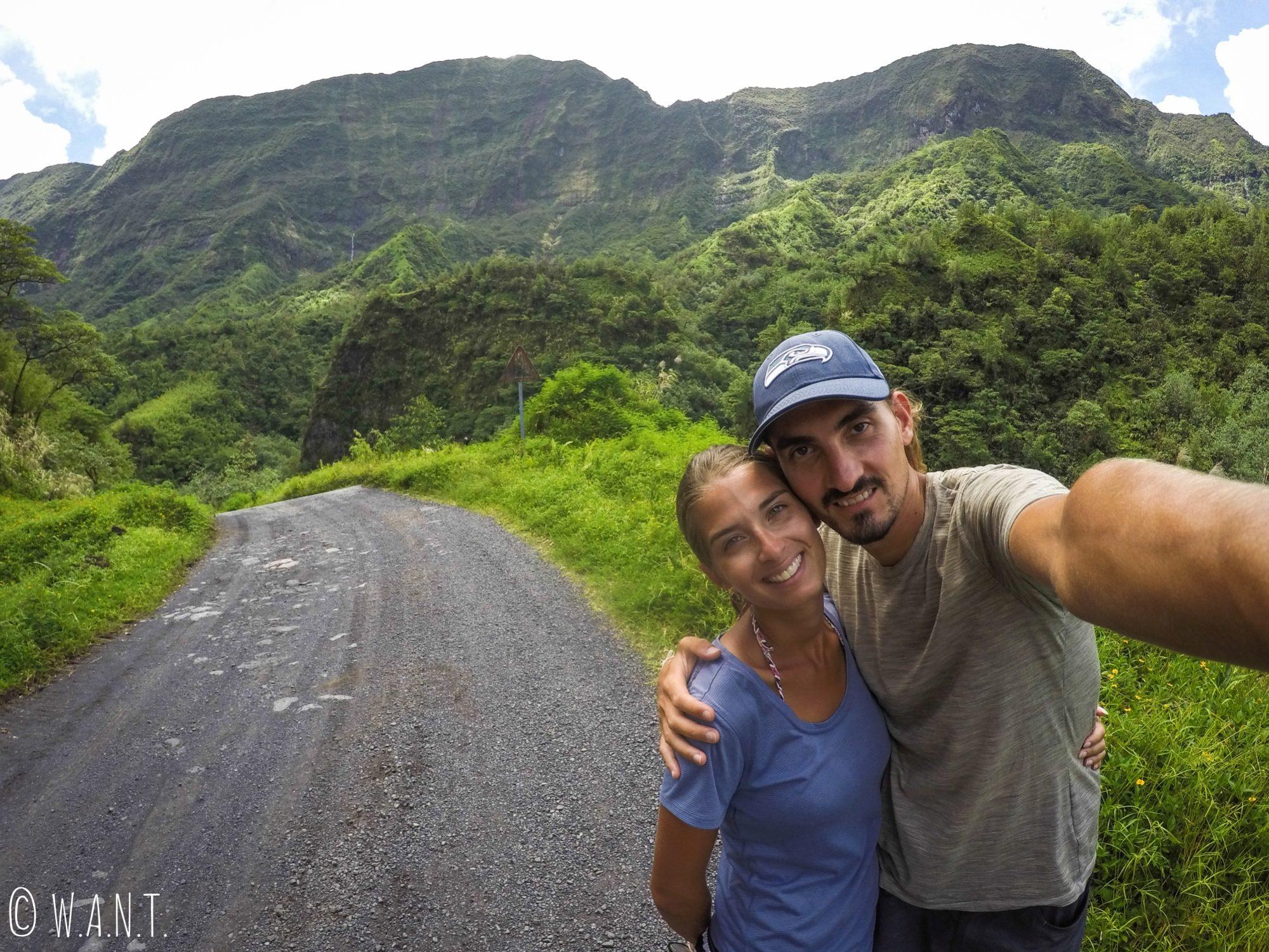 Selfie dans la vallée de la Papenoo à Tahiti