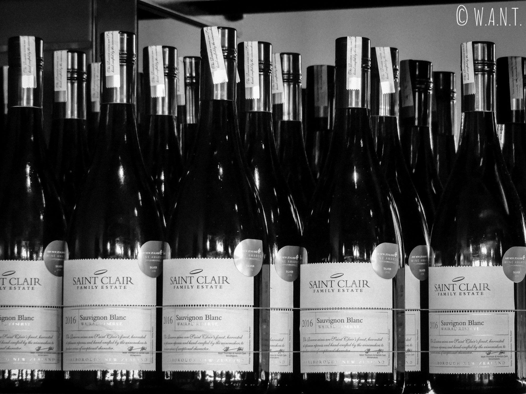 Bouteilles de vin du domaine Saint Clair dans la région de Malborough Sounds en Nouvelle-Zélande