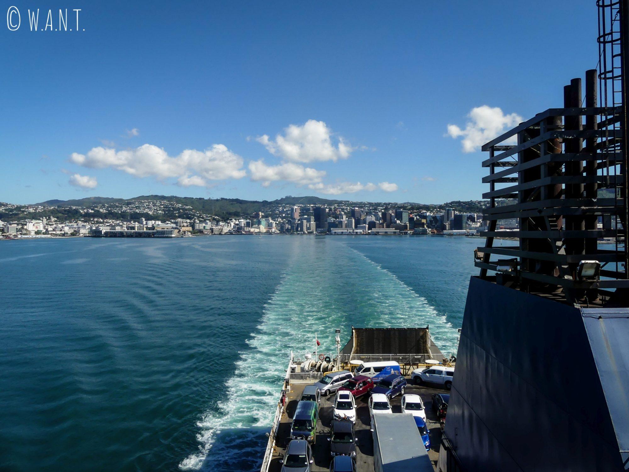 Départ de Wellington pour rejoindre l'île du sud de la Nouvelle-Zélande en ferry