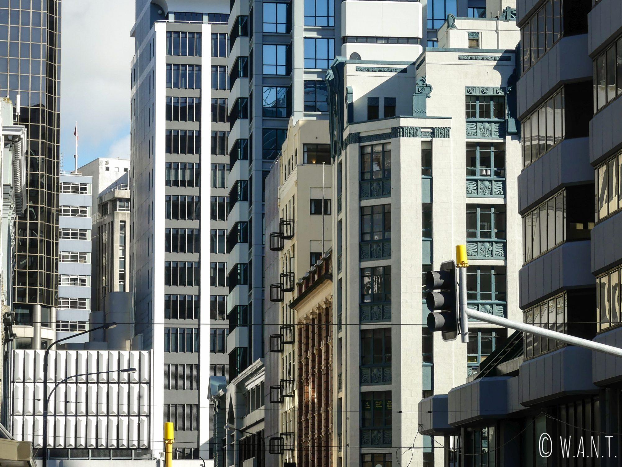 Gros plan sur des façades de rues à Wellington
