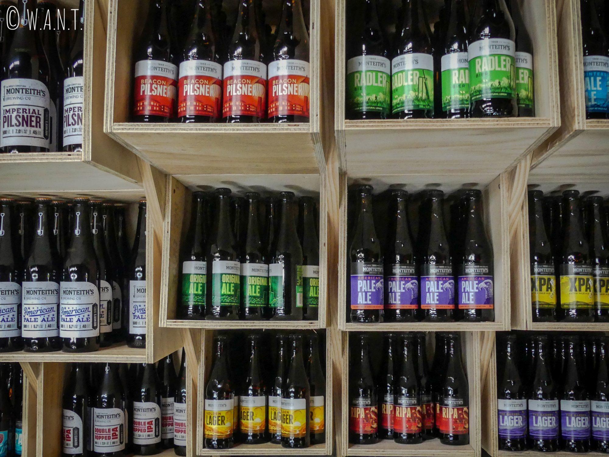 Il est possible de déguster de nombreux breuvages à la brasserie Montheith's située à Greymouth en Nouvelle-Zélande