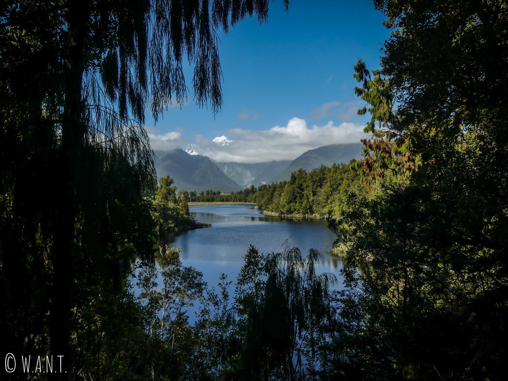 Le mont Tasman s'est découvert lors de notre randonnée au lac Matheson en Nouvelle-Zélande
