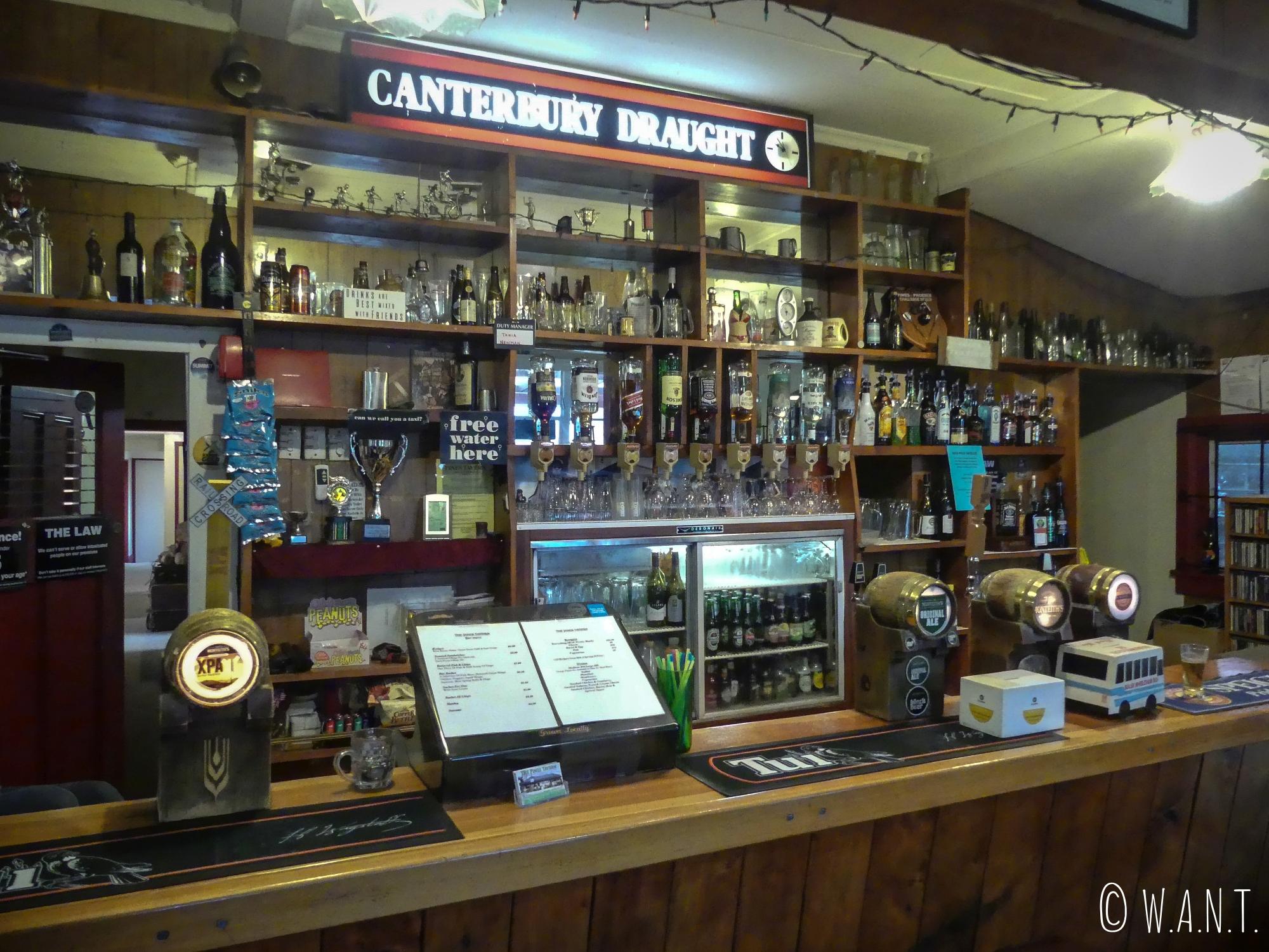 The Pines Tavern, immersion locale à Wesport en Nouvelle-Zélande