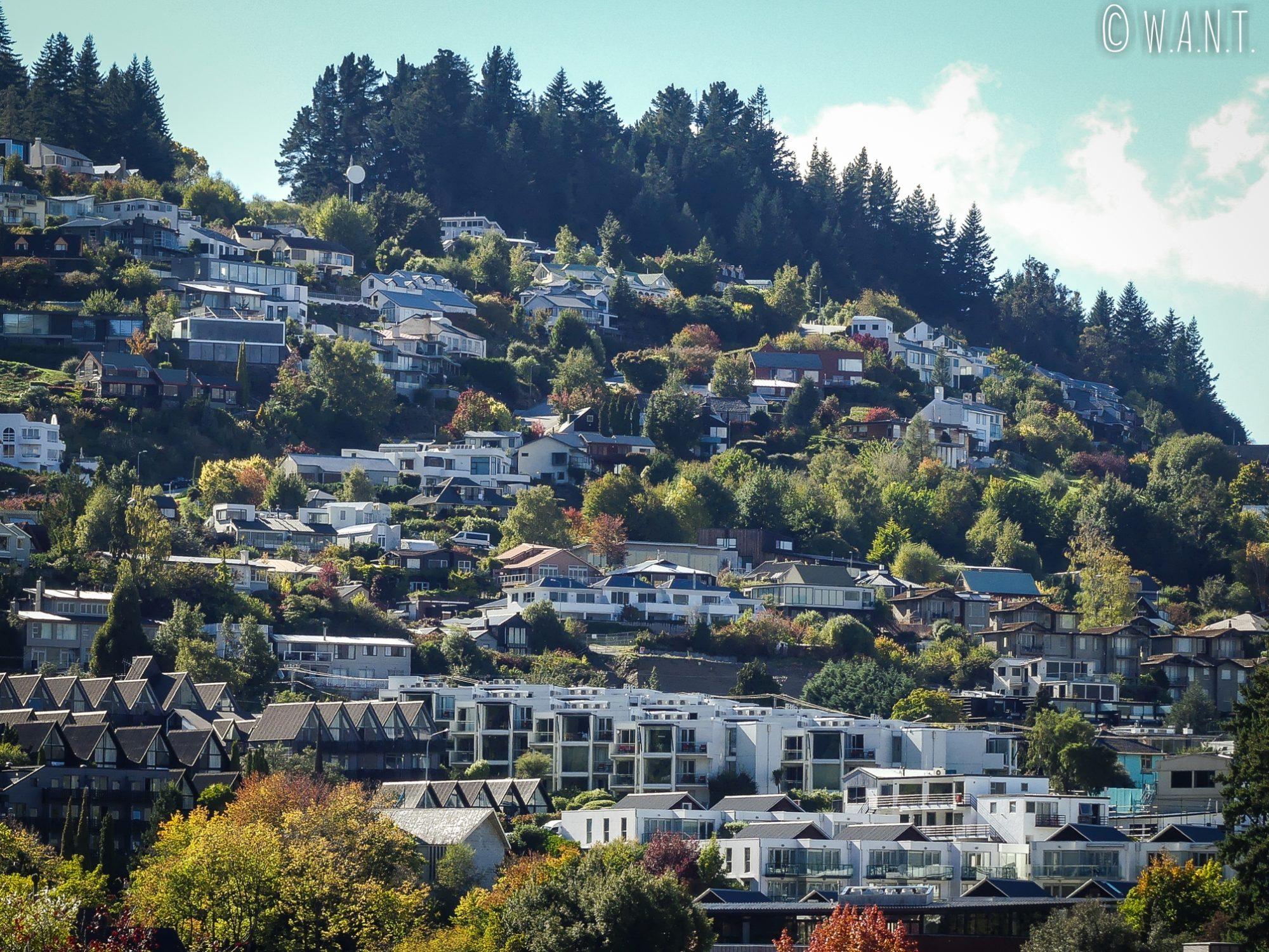Gros plans sur les belles demeures de Queenstown en Nouvelle-Zélande