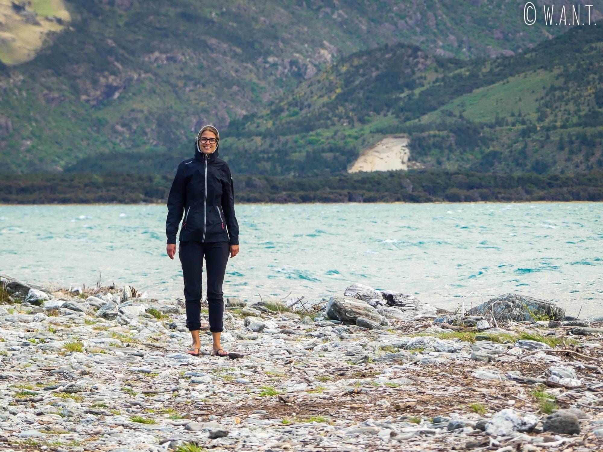 Promenade matinale au bord du Lac Wanaka en Nouvelle-Zélande