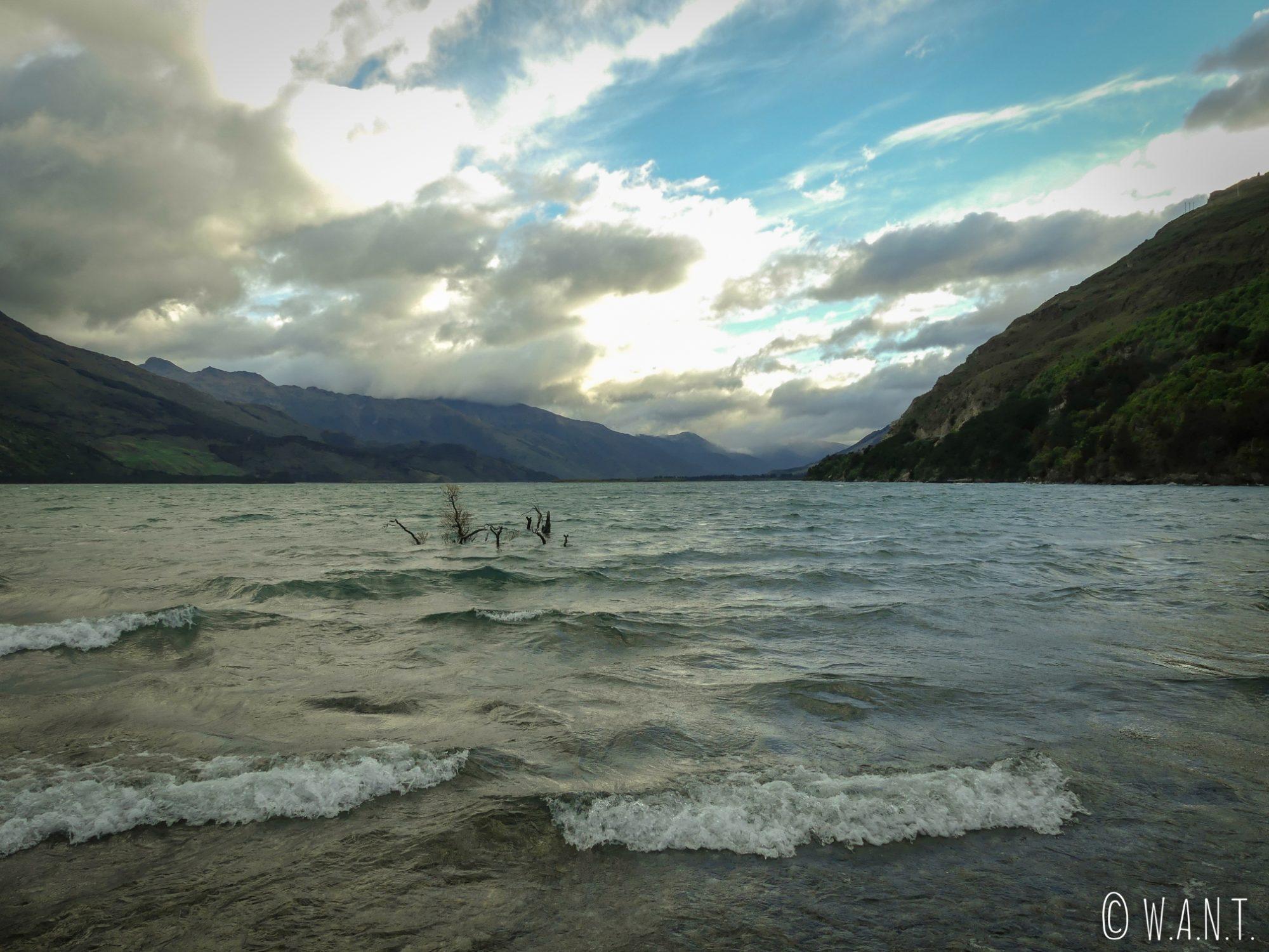 Vue depuis notre campement sur le Lac Wanake en Nouvelle-Zélande