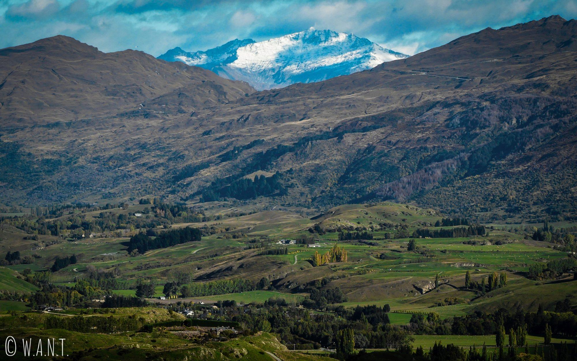 Vue sur la route entre Wanaka et Queenstown en Nouvelle-Zélande