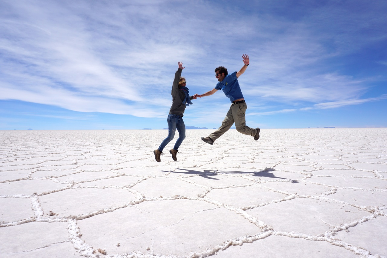 Elodie et Mathieu dans le Salar d'Uyuni en Bolivie