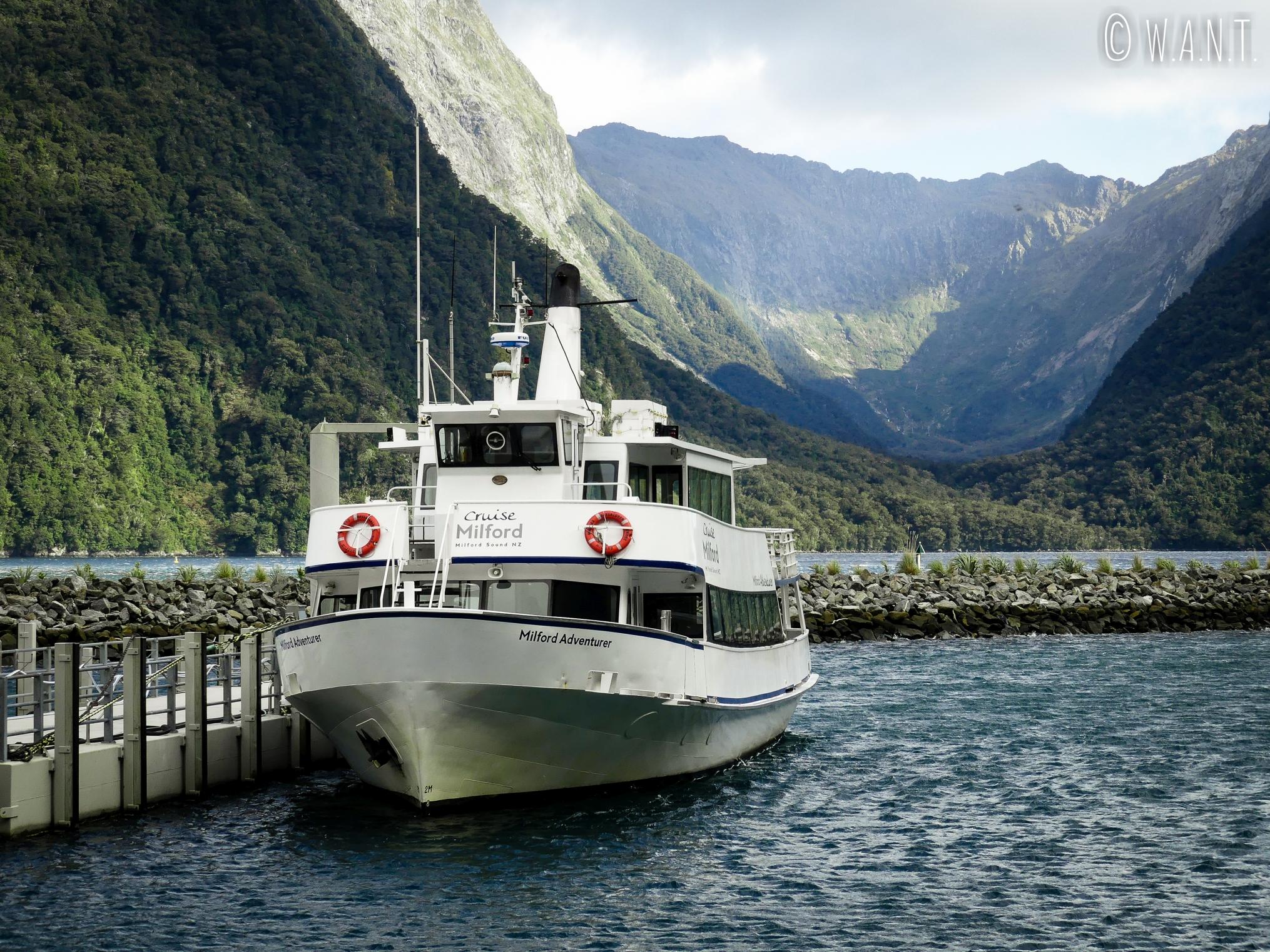 Bateau de la compagnie Cruise Milford Sound NZ