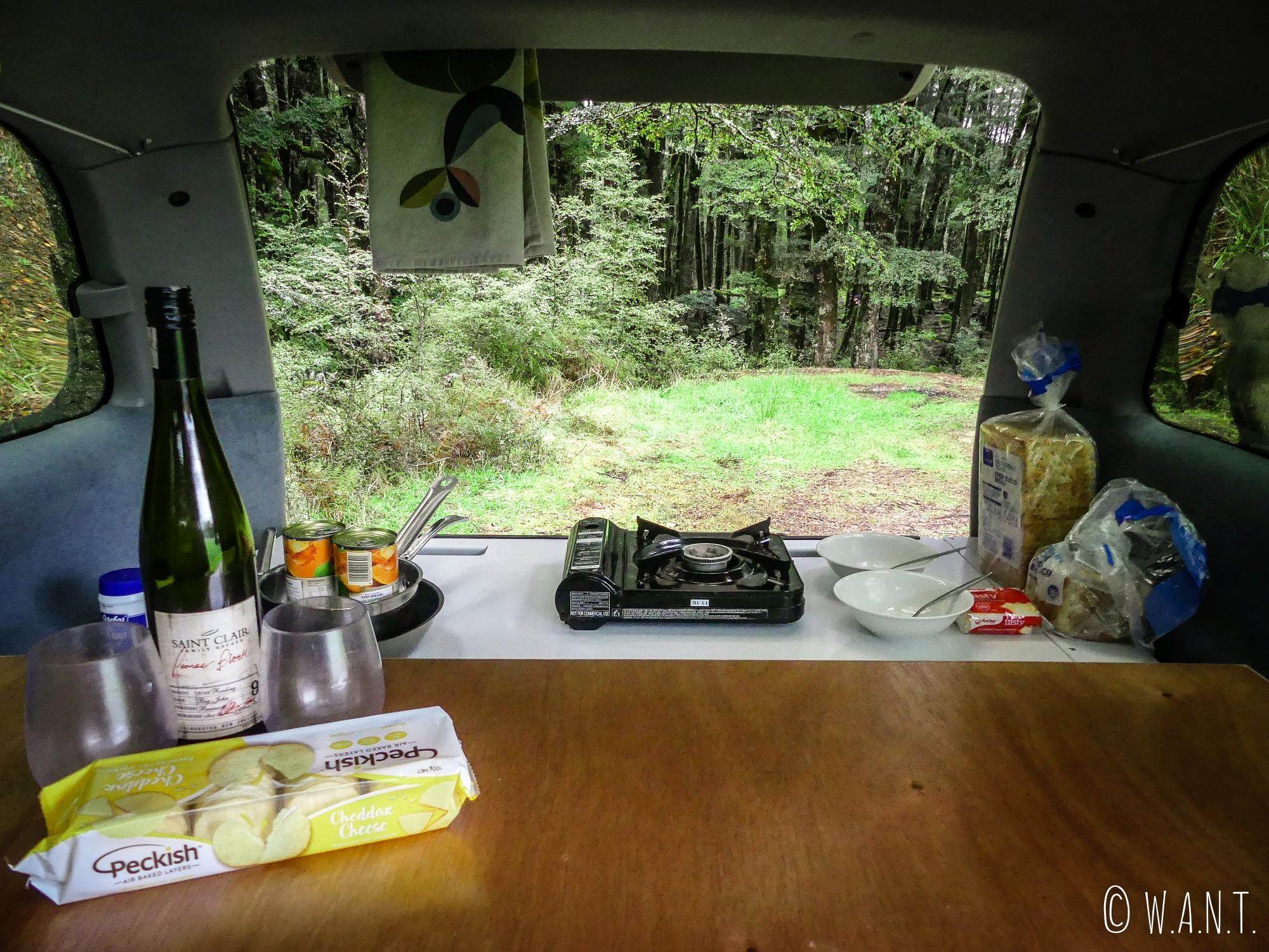 Diner de champions après une journée incroyable au Fiordland National Park en Nouvelle-Zélande