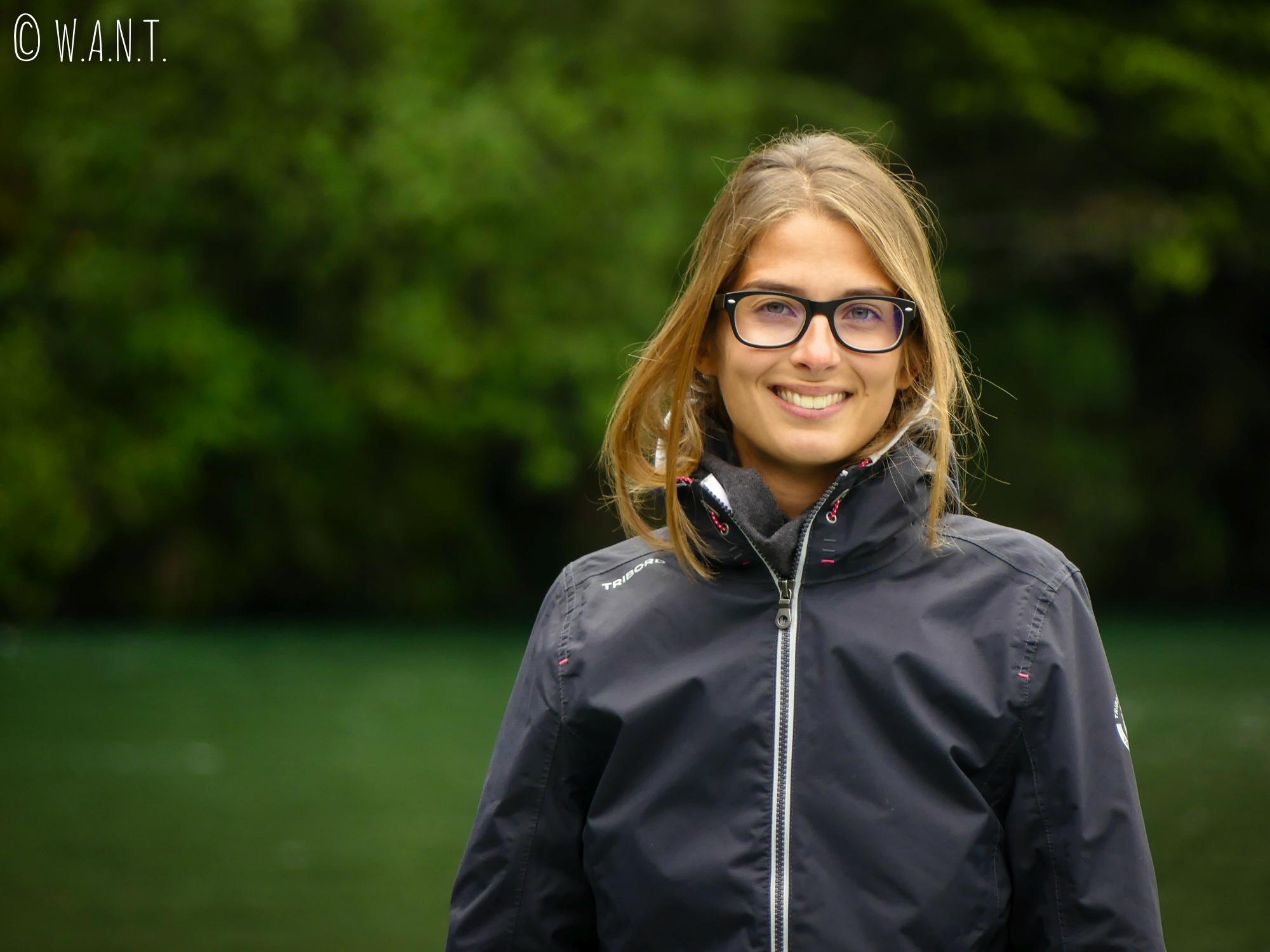 Portrait de Marion au Deer Flat Camping en Nouvelle-Zélande