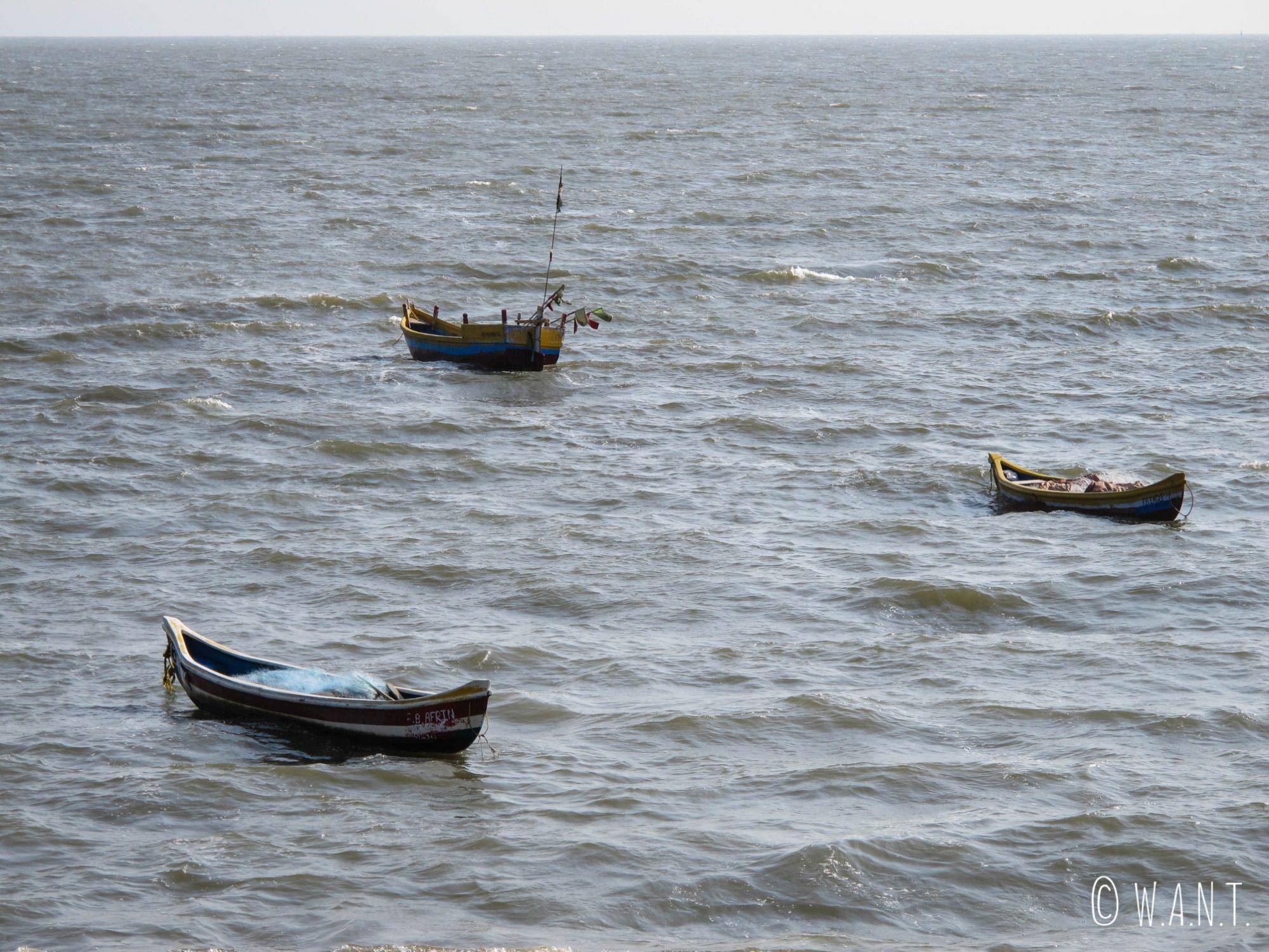 Barques dans Back Bay près de la plage Chowpatty