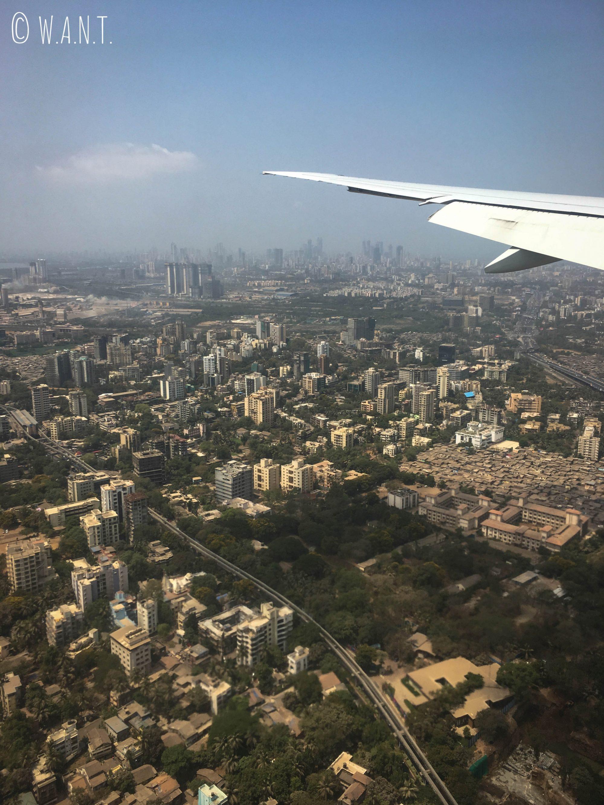 Préparation à l'atterrissage au-dessus de Mumbai