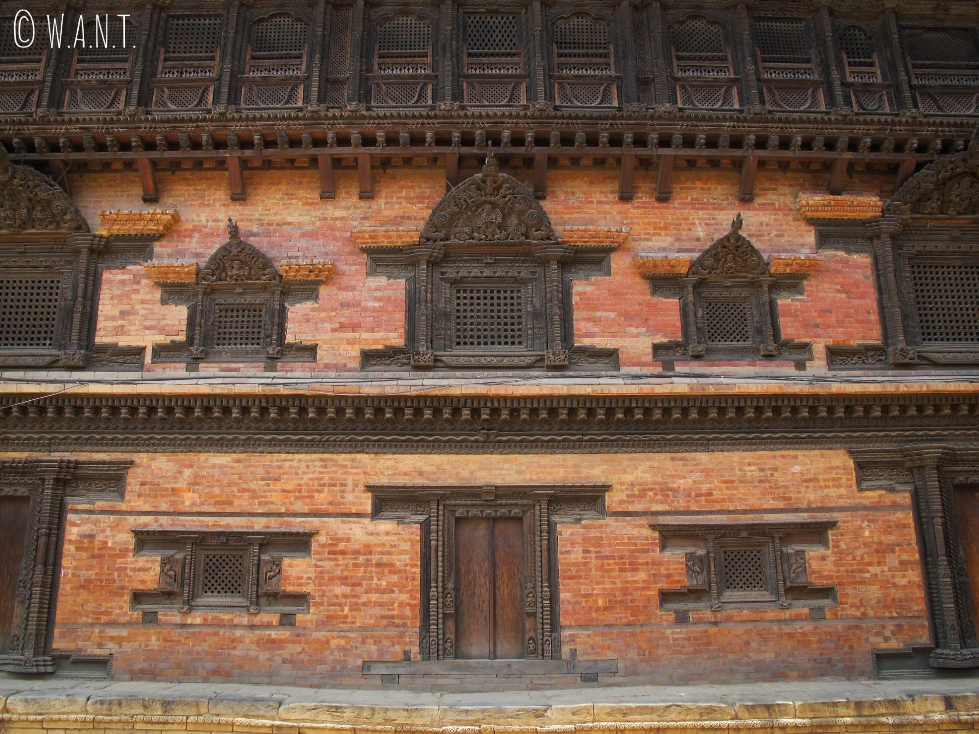 Façade du palais aux 55 fenêtres sur Durbar Square à Bhaktapur
