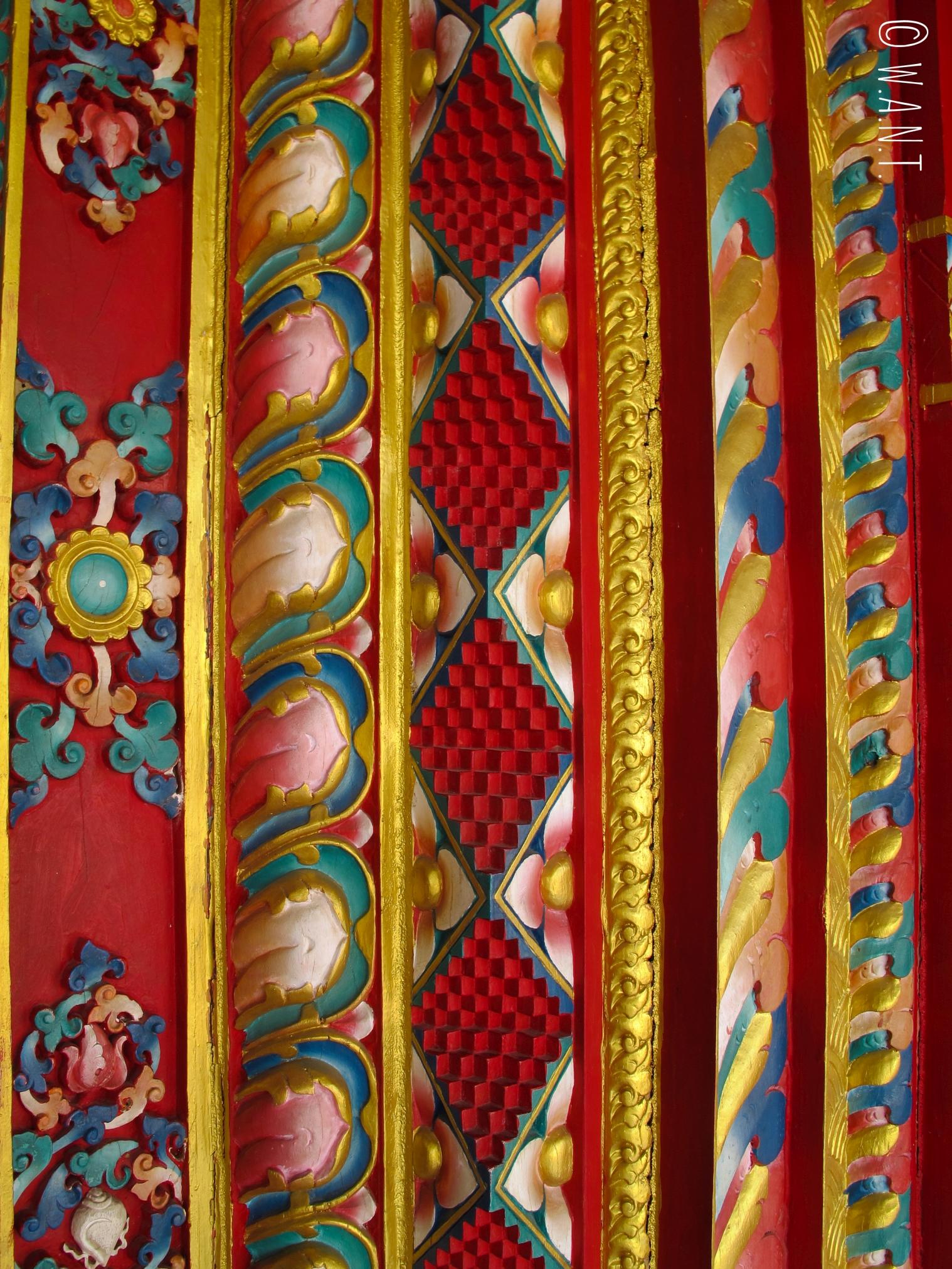 Le Lotus stupa contruit par l'Allemagne à Lumbini est très coloré