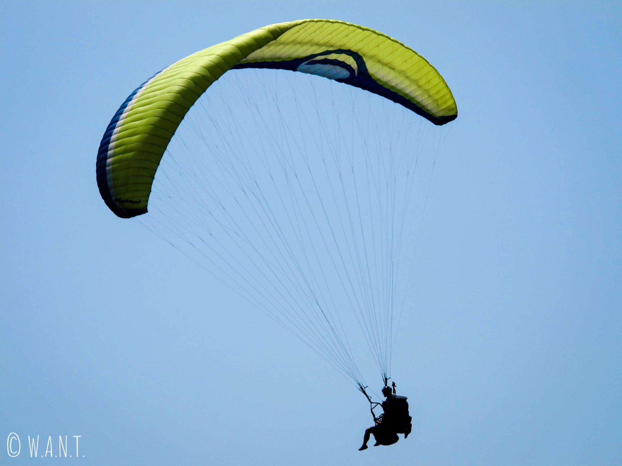 Le parapente est une activité phare de Pokhara
