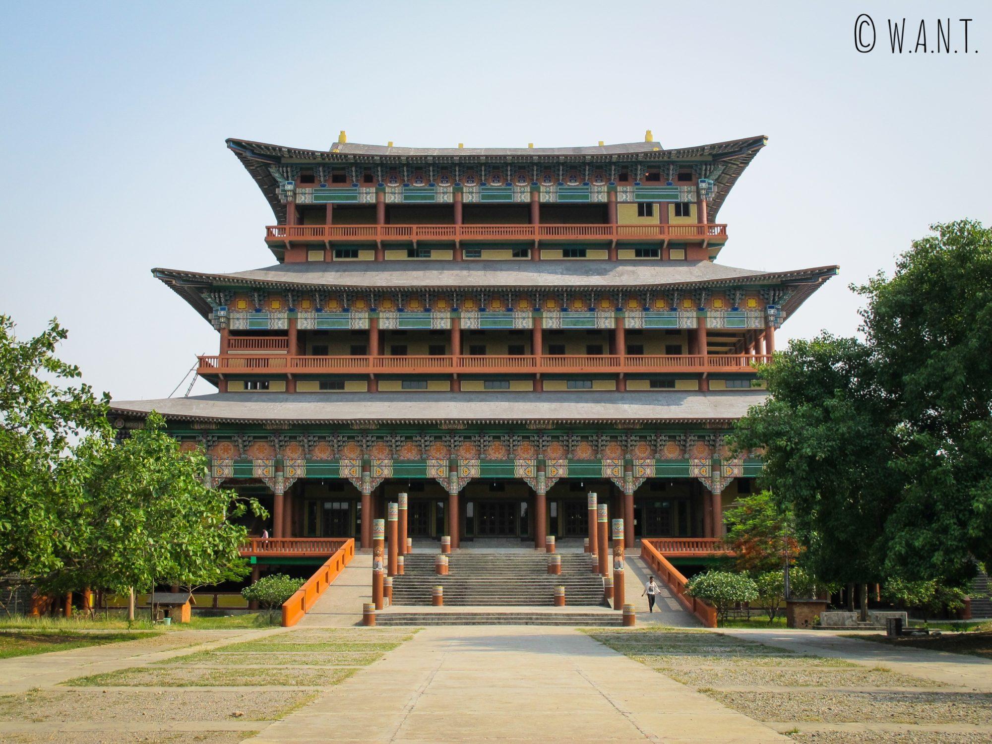 Monastère de la Corée dans les jardins de Lumbini