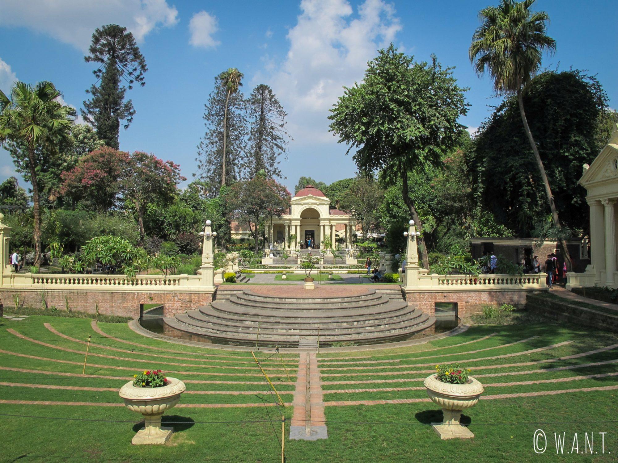 Un théâtre de plein-air a été recréé dans l'enceinte du Garden of Dreams de Katmandou