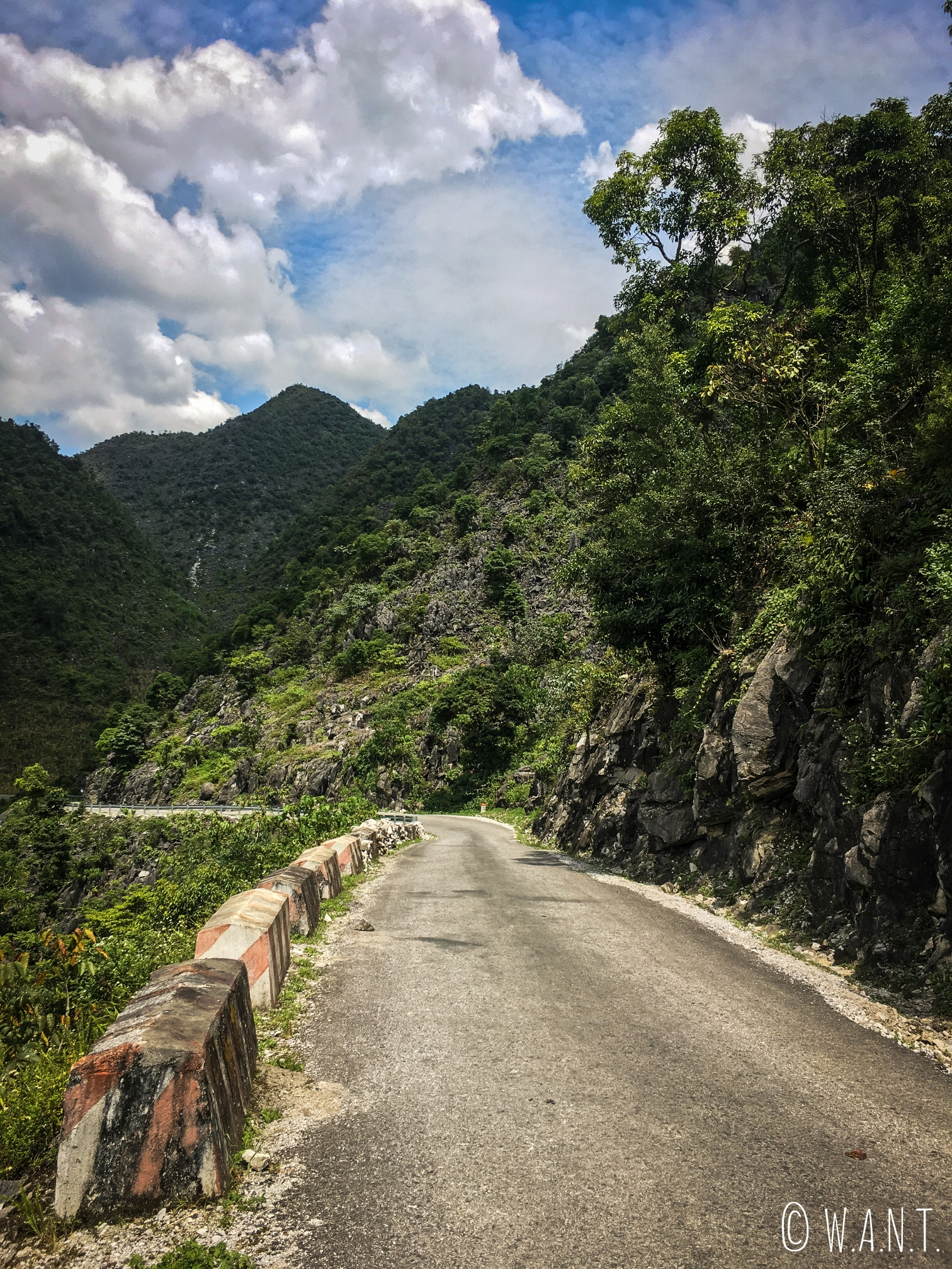 Portion de route entre Meo Vac et Yen Minh