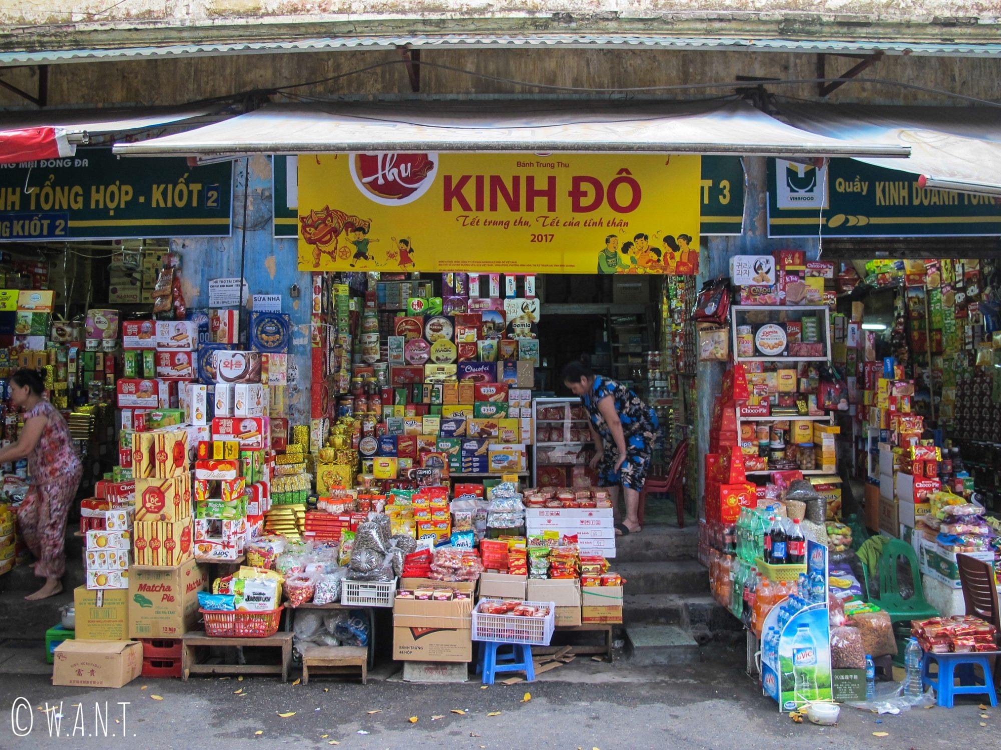 Échoppe dans les rues du centre ville de Hanoï