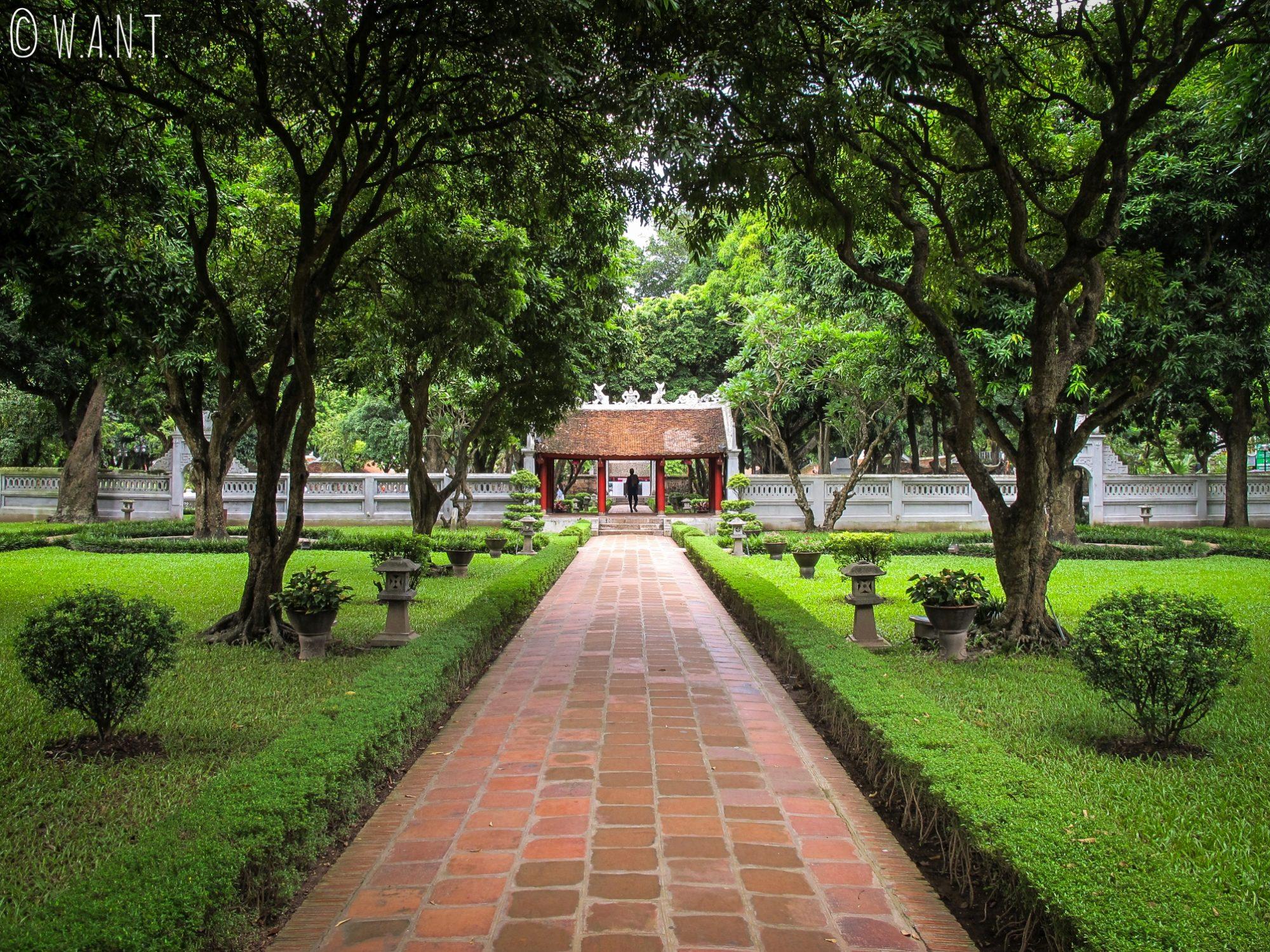 Entrée du Temple de la Littérature à Hanoï