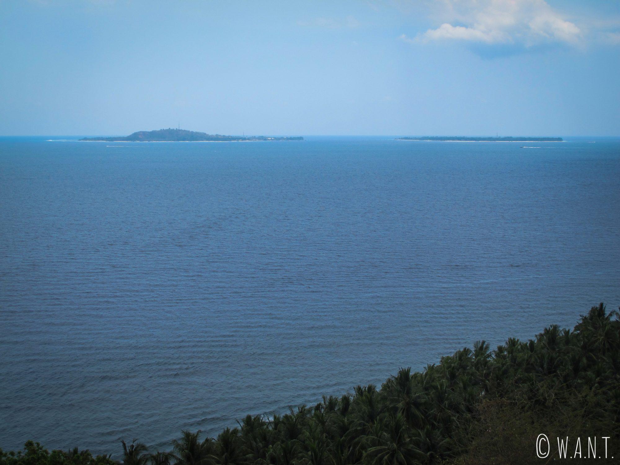 Vue sur les îles Gilis depuis le point de vue Malimbu Hill sur l'île de Lombok