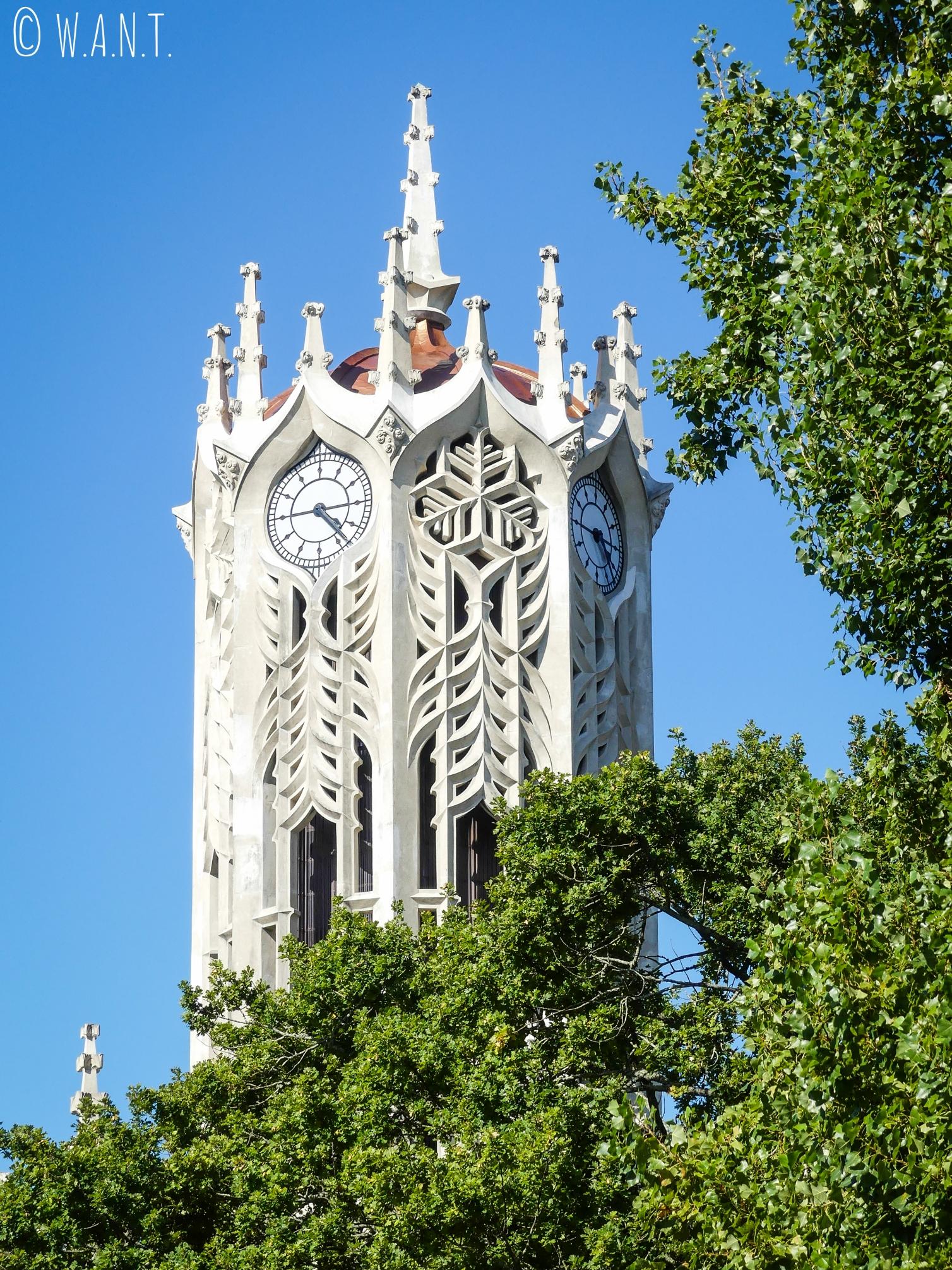 Horloge de l'Université d'Auckland depuis Albert Park