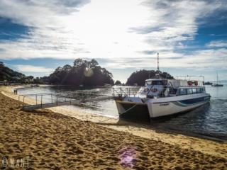 Départ avec le bateau de la compagnie Sea Shuttle pour découvrir le parc national Abel Tasman en Nouvelle-Zélande