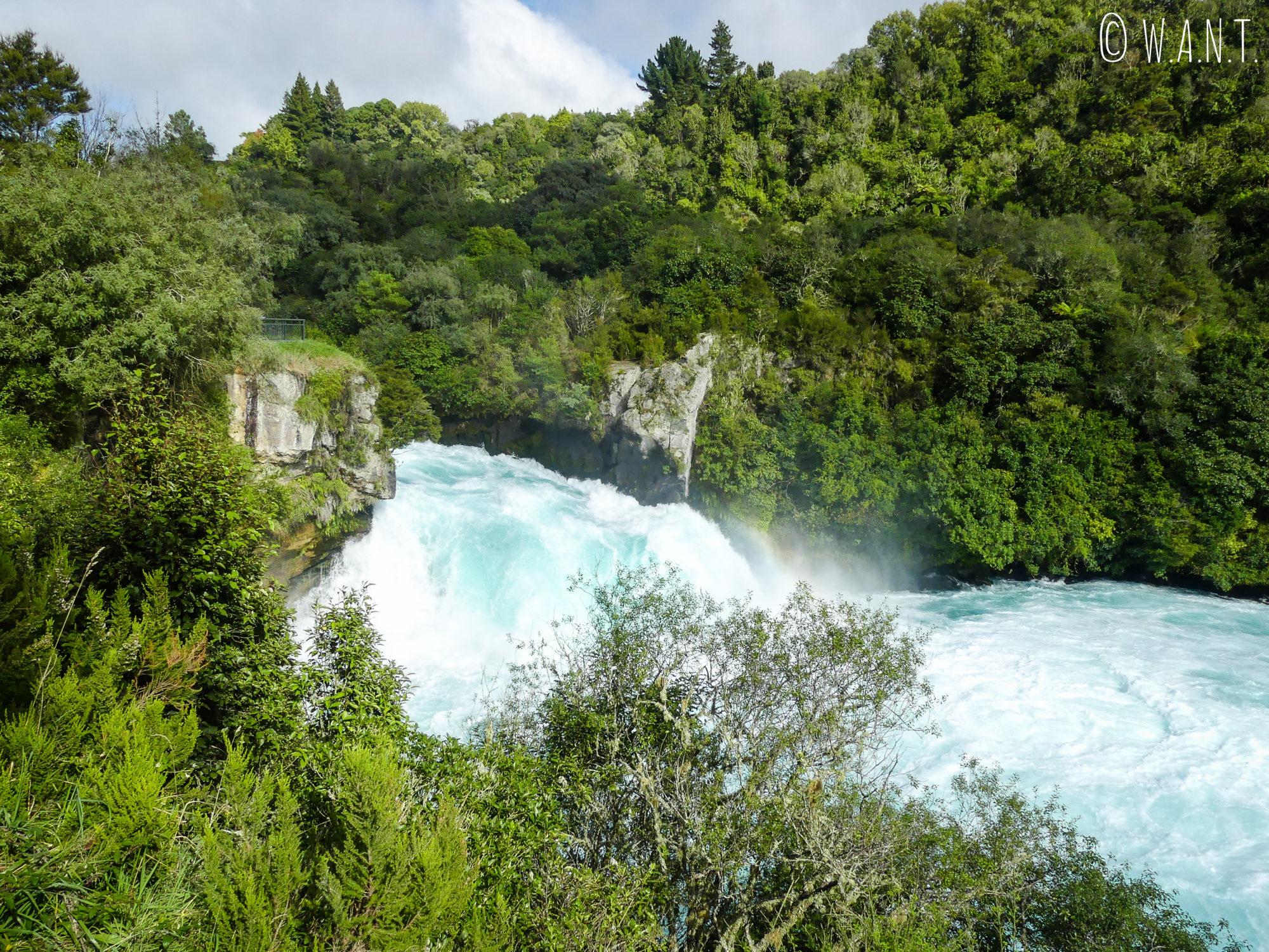 Il est impressionnant de se rendre aux Huka Falls, située près de Tapo en Nouvelle-Zélande