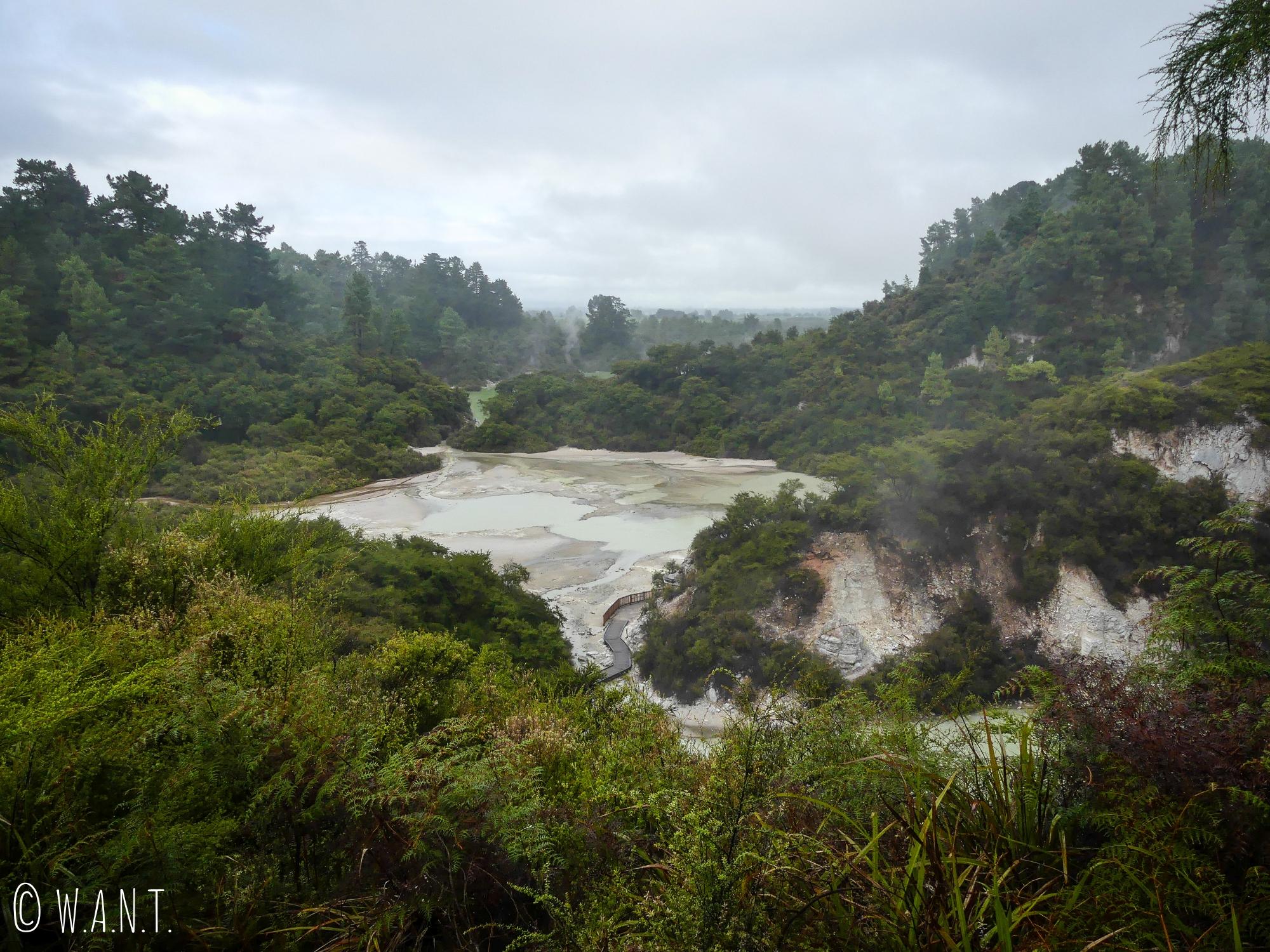 Le site de Wai-O-Tapu en Nouvelle-Zélande permet de découvrir des paysages tout à fait impressionnants