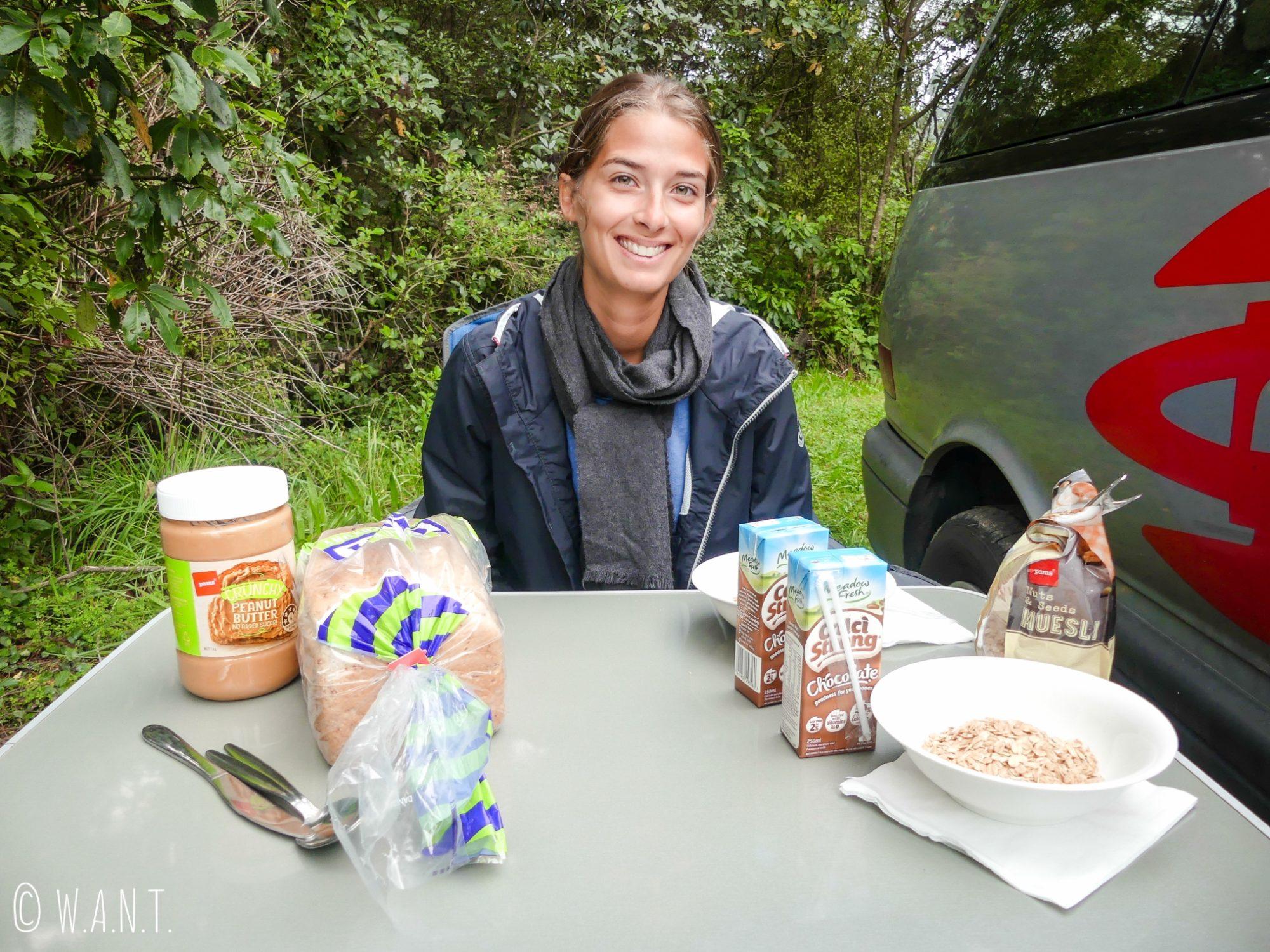 Petit-déjeuner de champions pour une nouvelle journée de découvertes en Nouvelle-Zélande